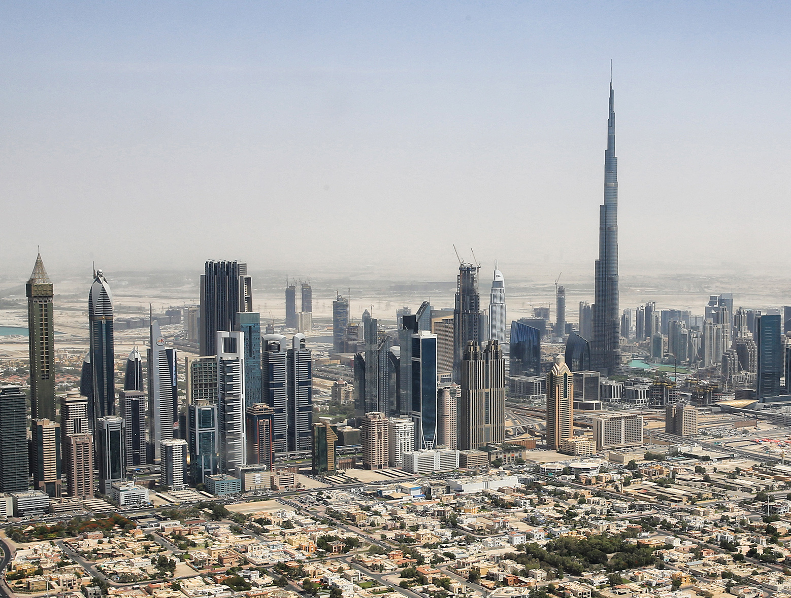 File dubai skyline 2015 crop jpg for Upcoming hotels in dubai