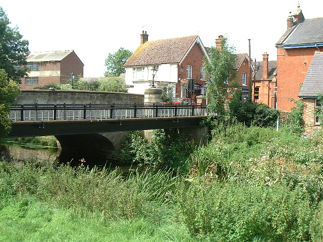 Eden bridge at Edenbridge - geograph.org.uk - 41849
