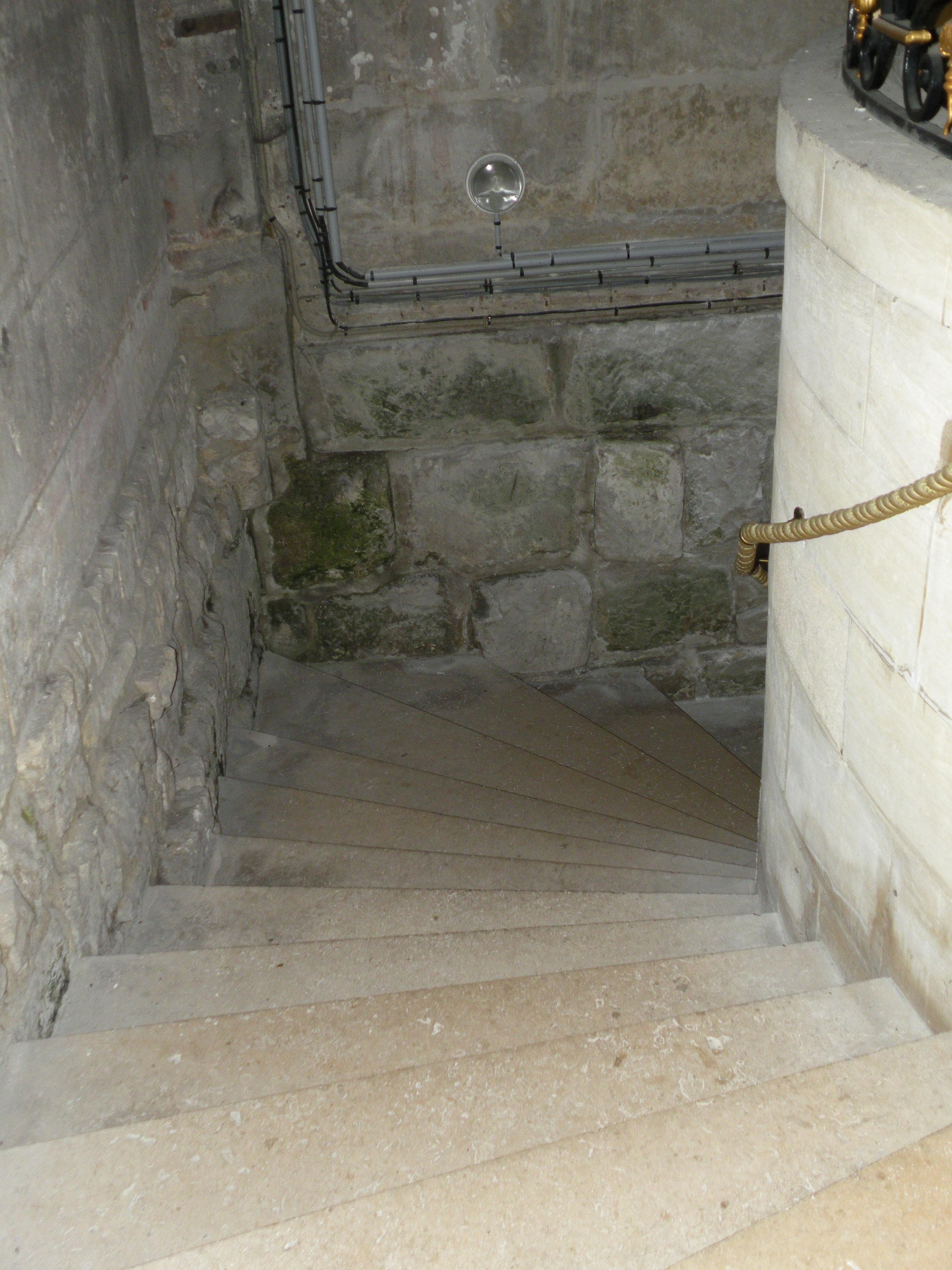 Main Courante Escalier Corde file:escalier souterrain1 saint etienne beauvais