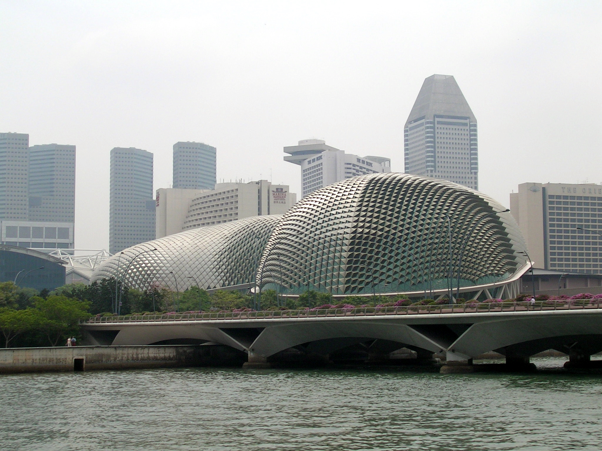 http://commons.wikimedia.org/wiki/Image:Esplanade_Singapore_01.jpg
