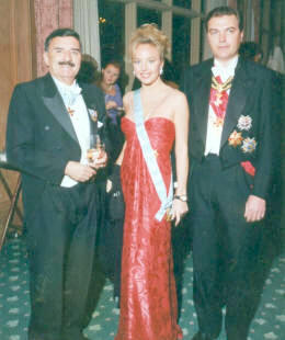 Fernando Muñoz Altea with the Duke of Castro and Duchess of Castro.jpg