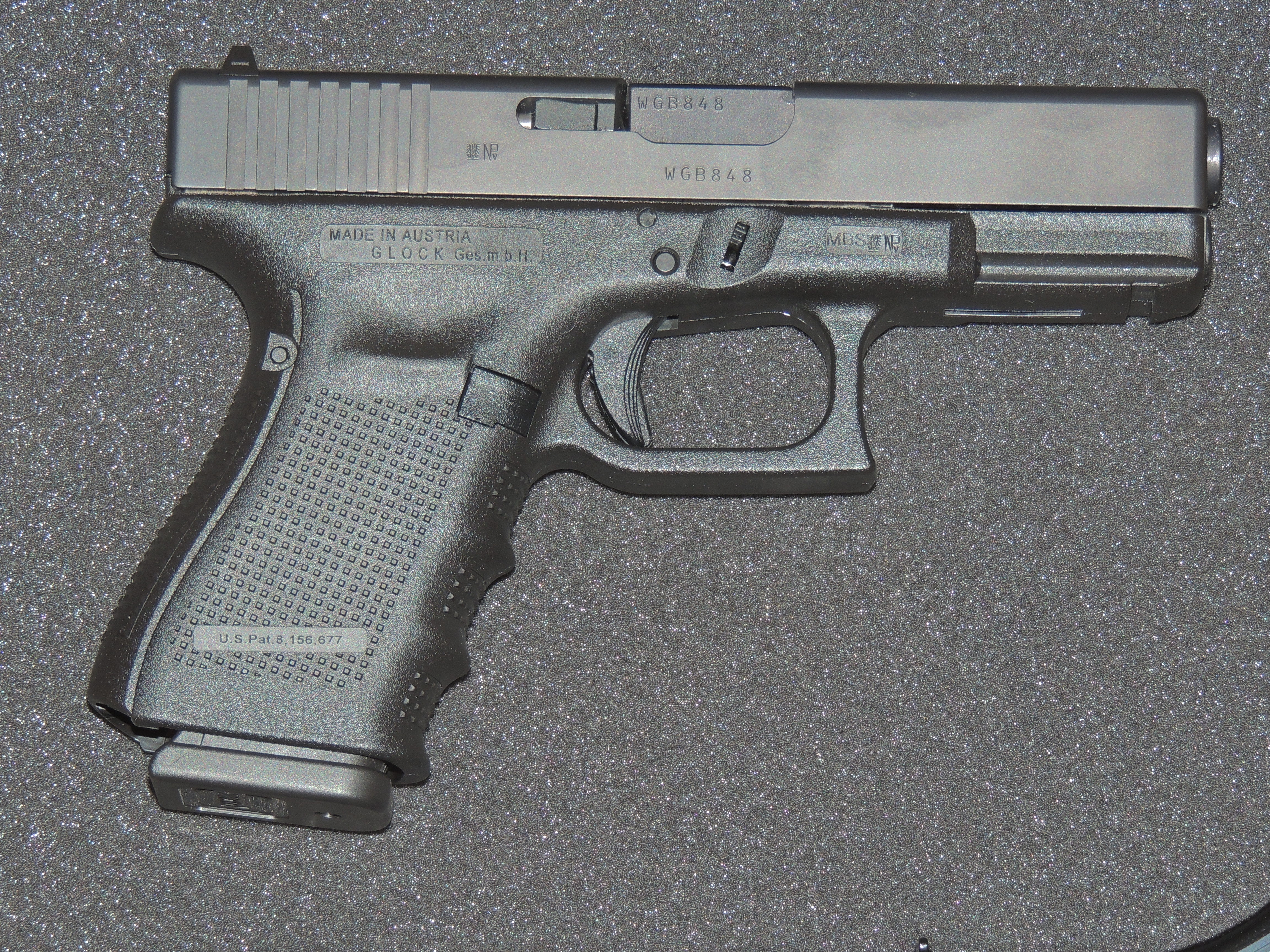 File:Glock 19 Gen 4 II.JPG - Wikimedia Commons