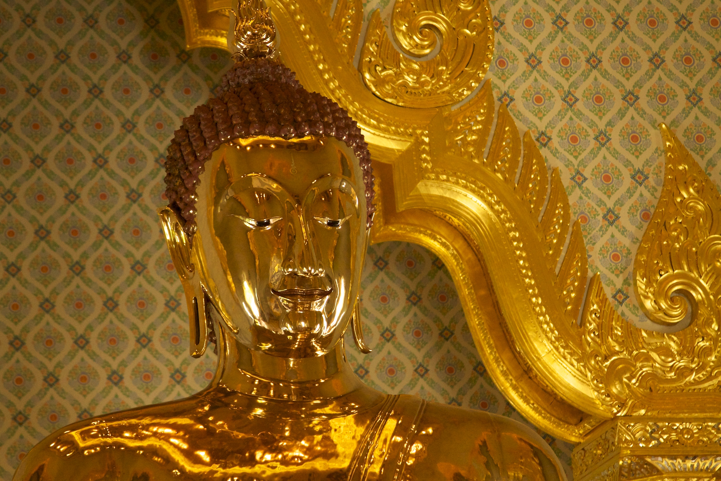 File:Golden Buddha at Wat Traimit (6491905489).jpg - Wikimedia Commons