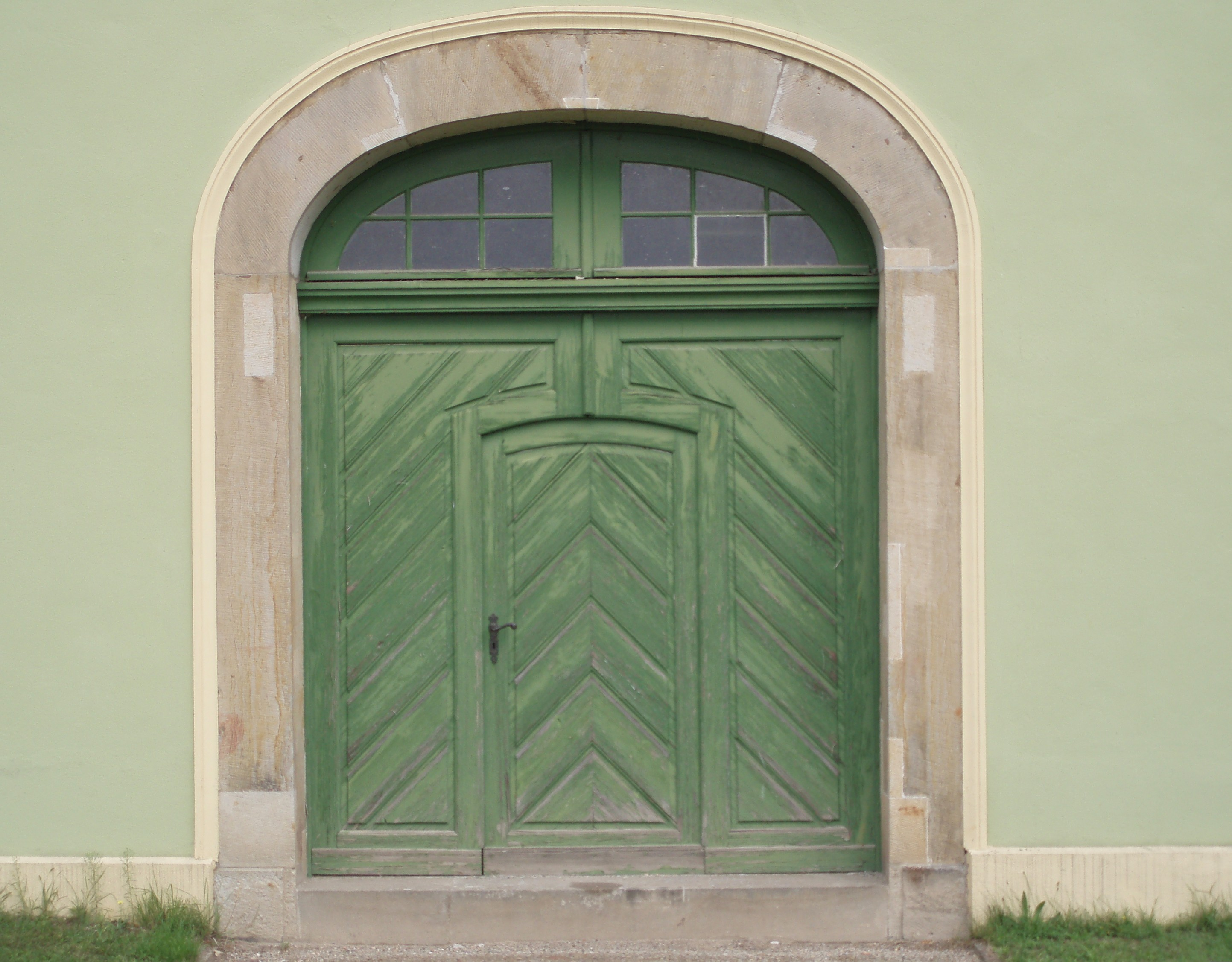 FileGreen-wooden-door-entrance.jpg : door blanks - pezcame.com