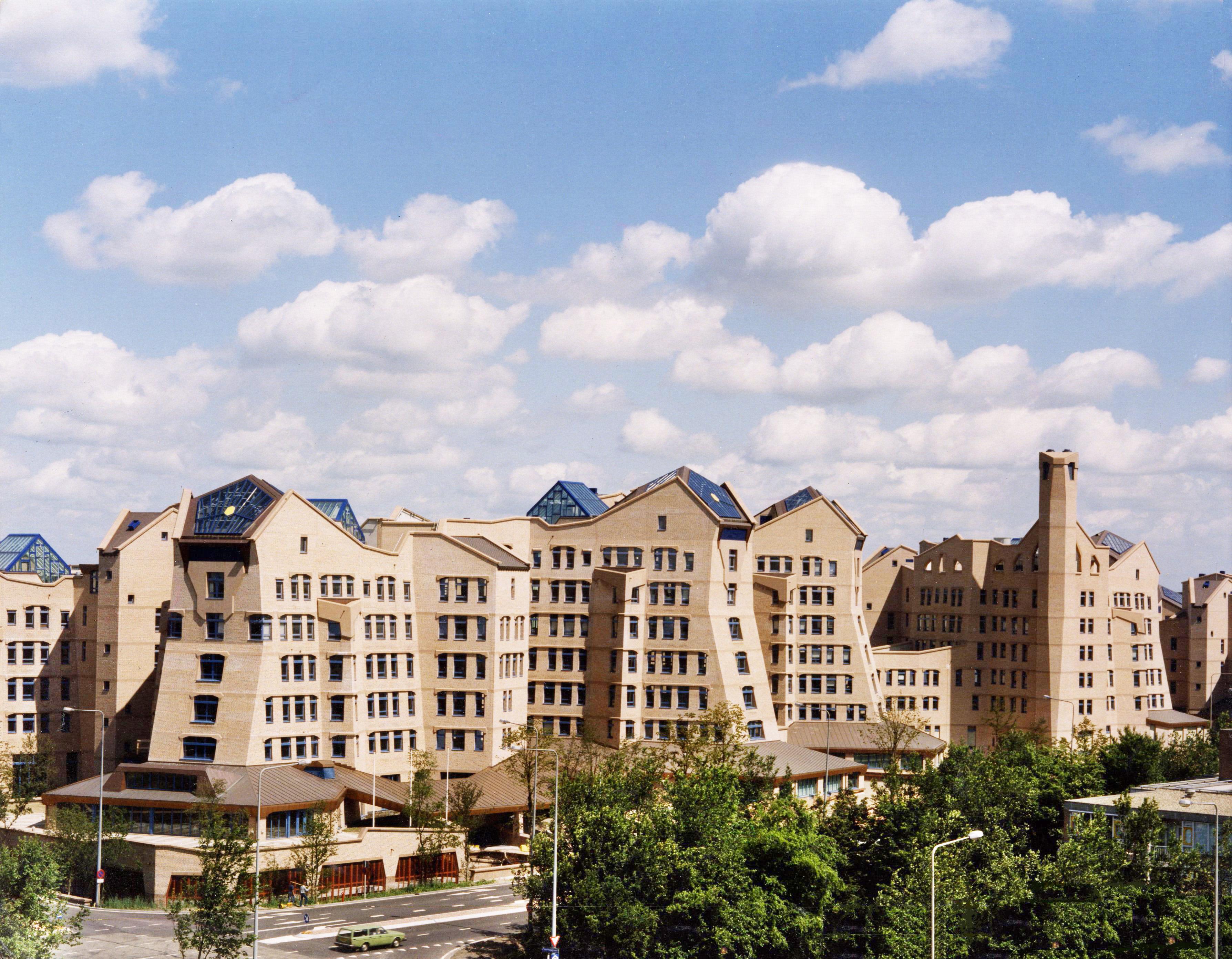 File:ING Headoffice Amsterdam (2).jpg - Wikimedia Commons: commons.wikimedia.org/wiki/file:ing_headoffice_amsterdam_(2).jpg