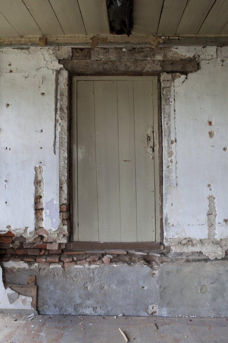 Bestand:Interieur, deur van opkamer gezien vanuit de woonkamer ...