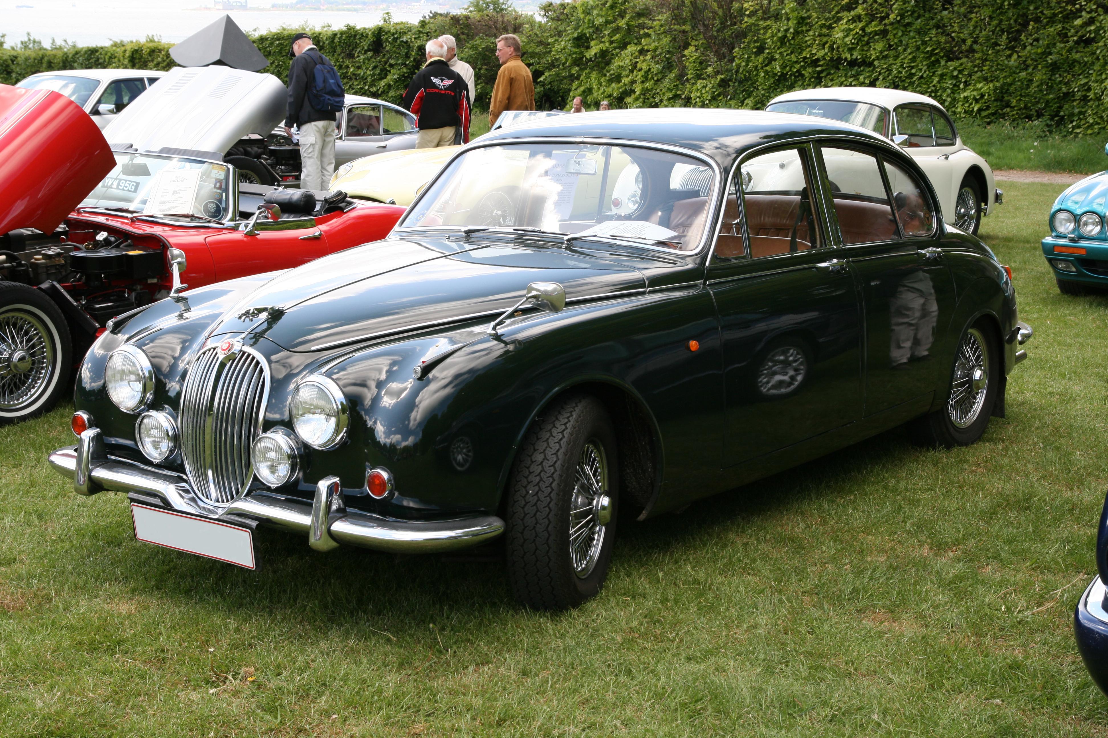 File:Jaguar 240 Mark II (1968) front left.jpg - Wikimedia ...