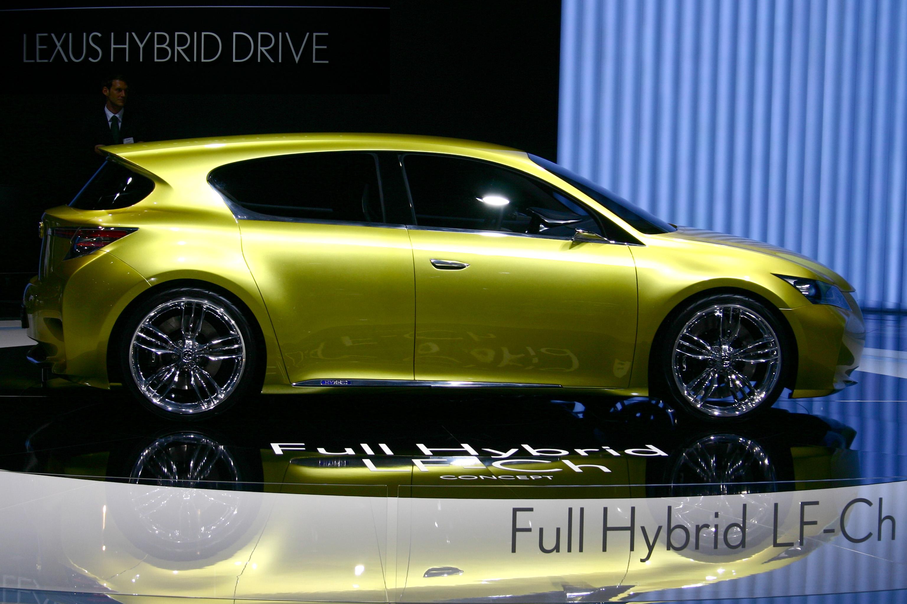 https://upload.wikimedia.org/wikipedia/commons/4/43/Lexus_LF-Ch_Hybrid_Concept_IAA_2009_02a.jpg