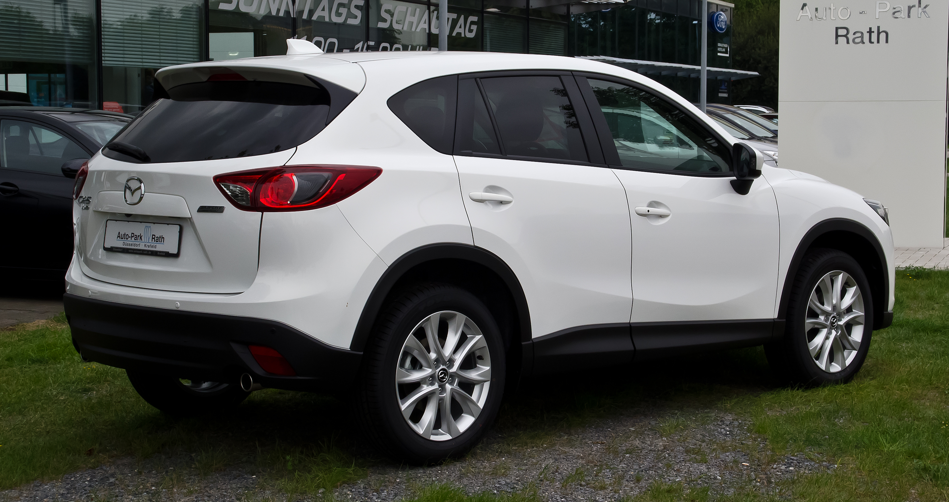 dodge suv indonesia with File Mazda Cx 5 2 0 Skyactiv G Awd Sports Line  E2 80 93 Heckansicht  3  September 2012  D C3 Bcsseldorf on Farrari Wallpaper together with Toyota Chr Concorrente Do Honda Hrv 2016 2017 in addition Cami a Urban as well 2017 Honda Br V New Series Youtube Pertaining To 2017 Honda Brv Philippines likewise Honda Hrv 2017 Inside Specs.