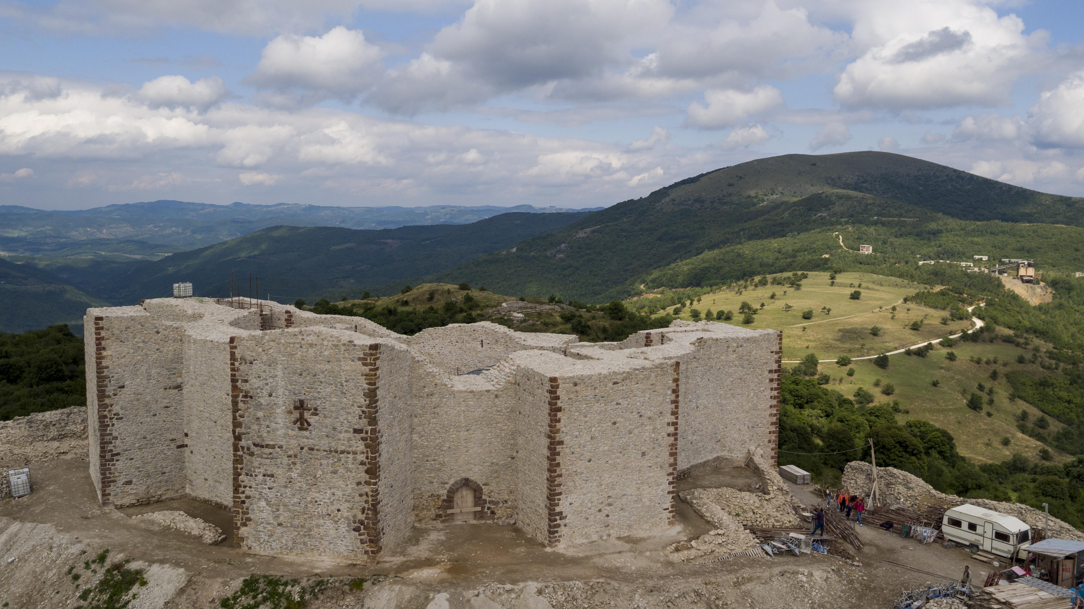 Novo Brdo Fortress - Wikipedia