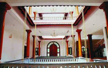 File:Nadumuttam.jpg - Wikipedia, the free encyclopedia