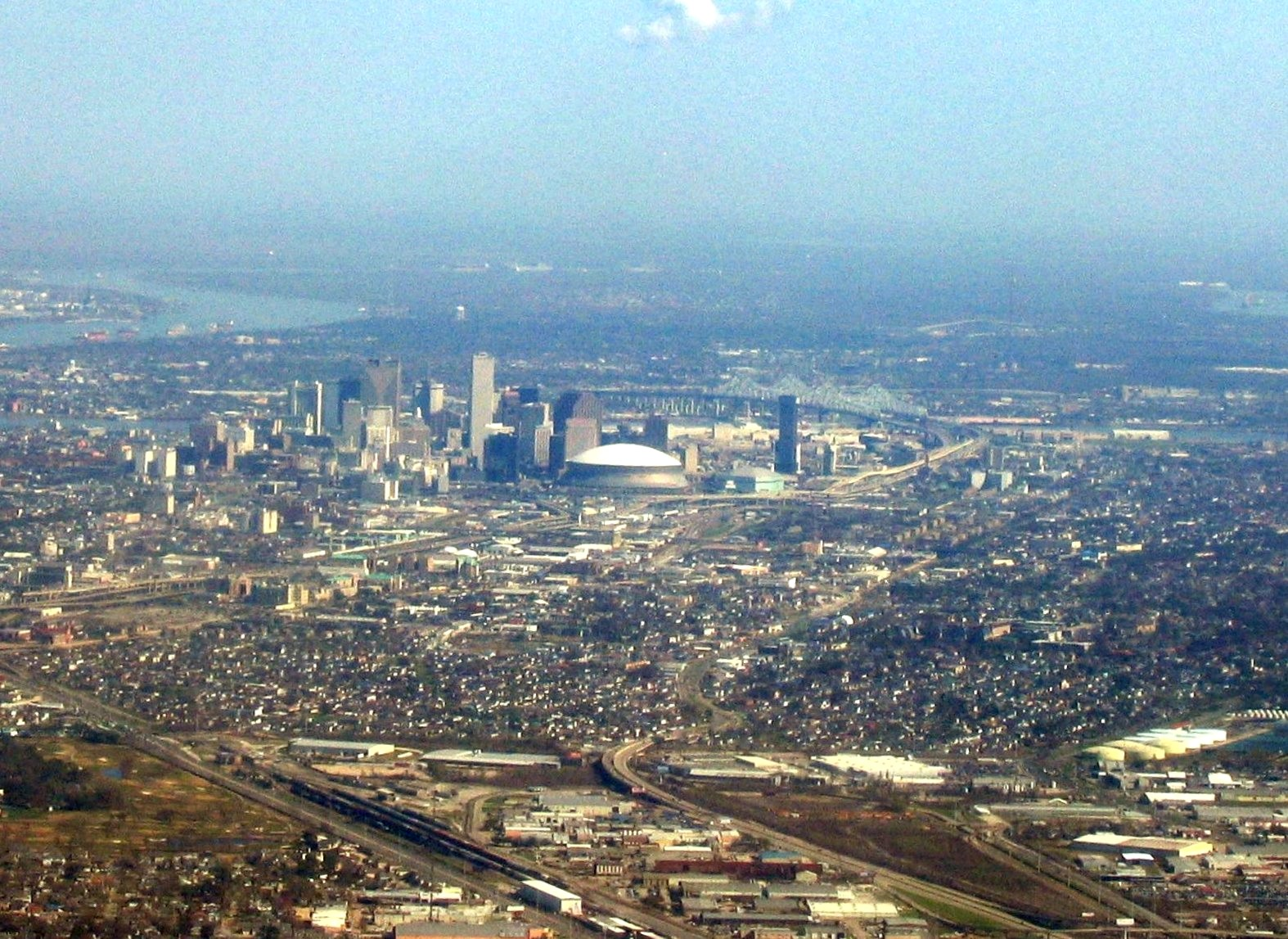File new orleans la air view wikimedia commons for What to do in new orleans louisiana