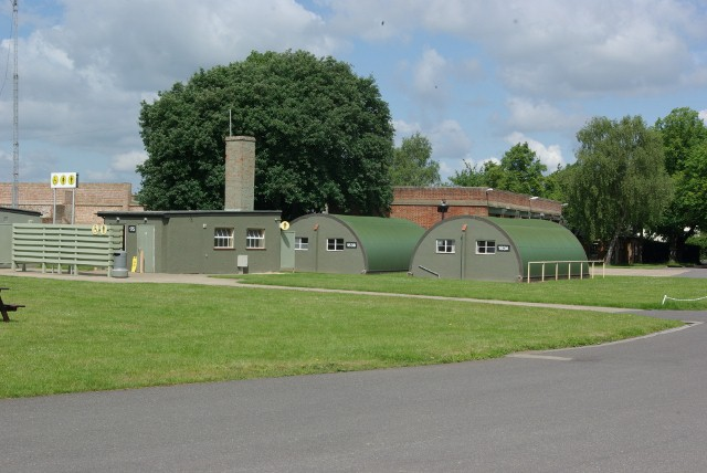 File:Nissen huts at IWM Duxford - geograph.org.uk - 844676.jpg
