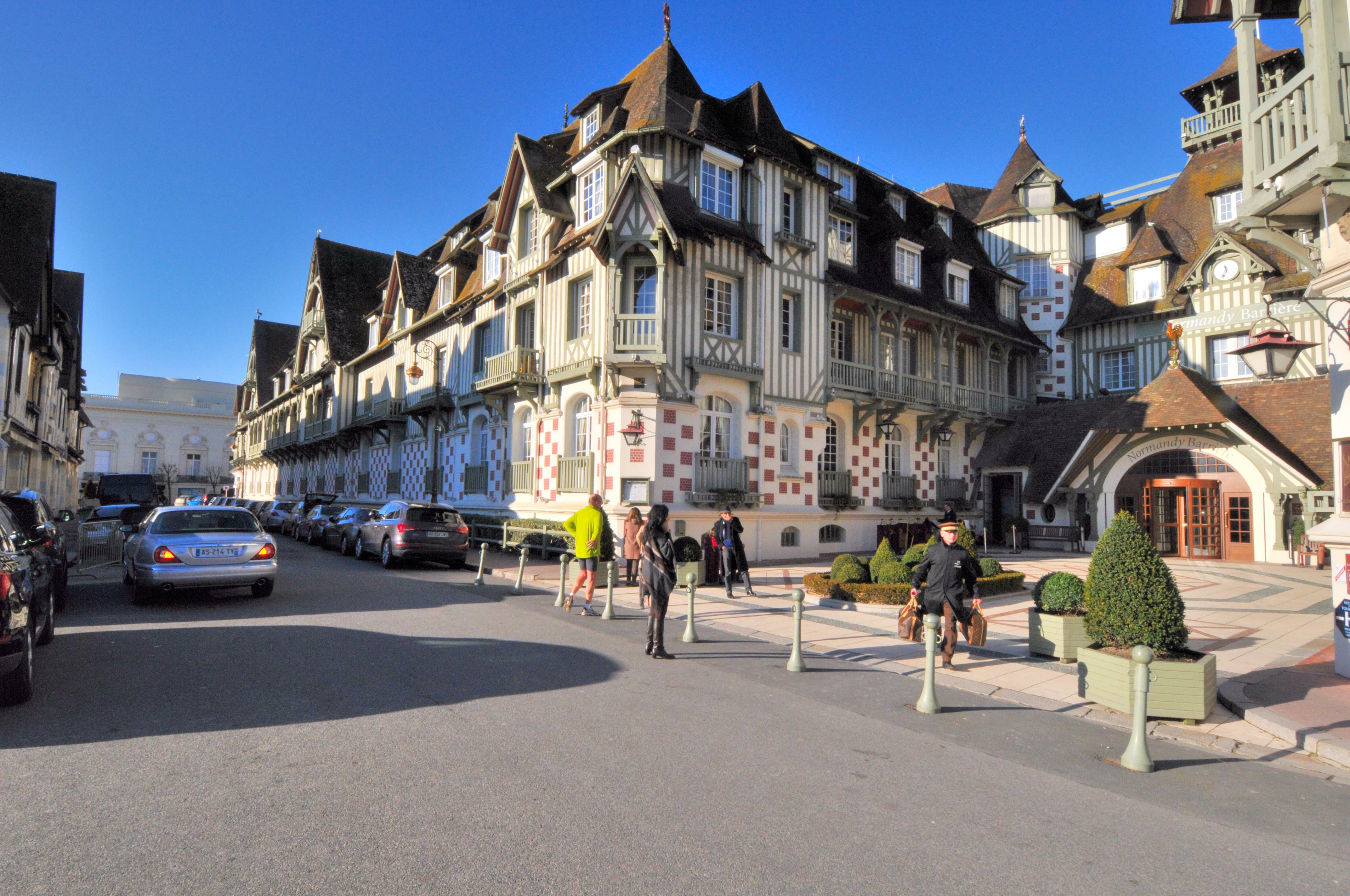 Datei normandy barri re deauville 8014 jpg wikipedia for Design hotel normandie france
