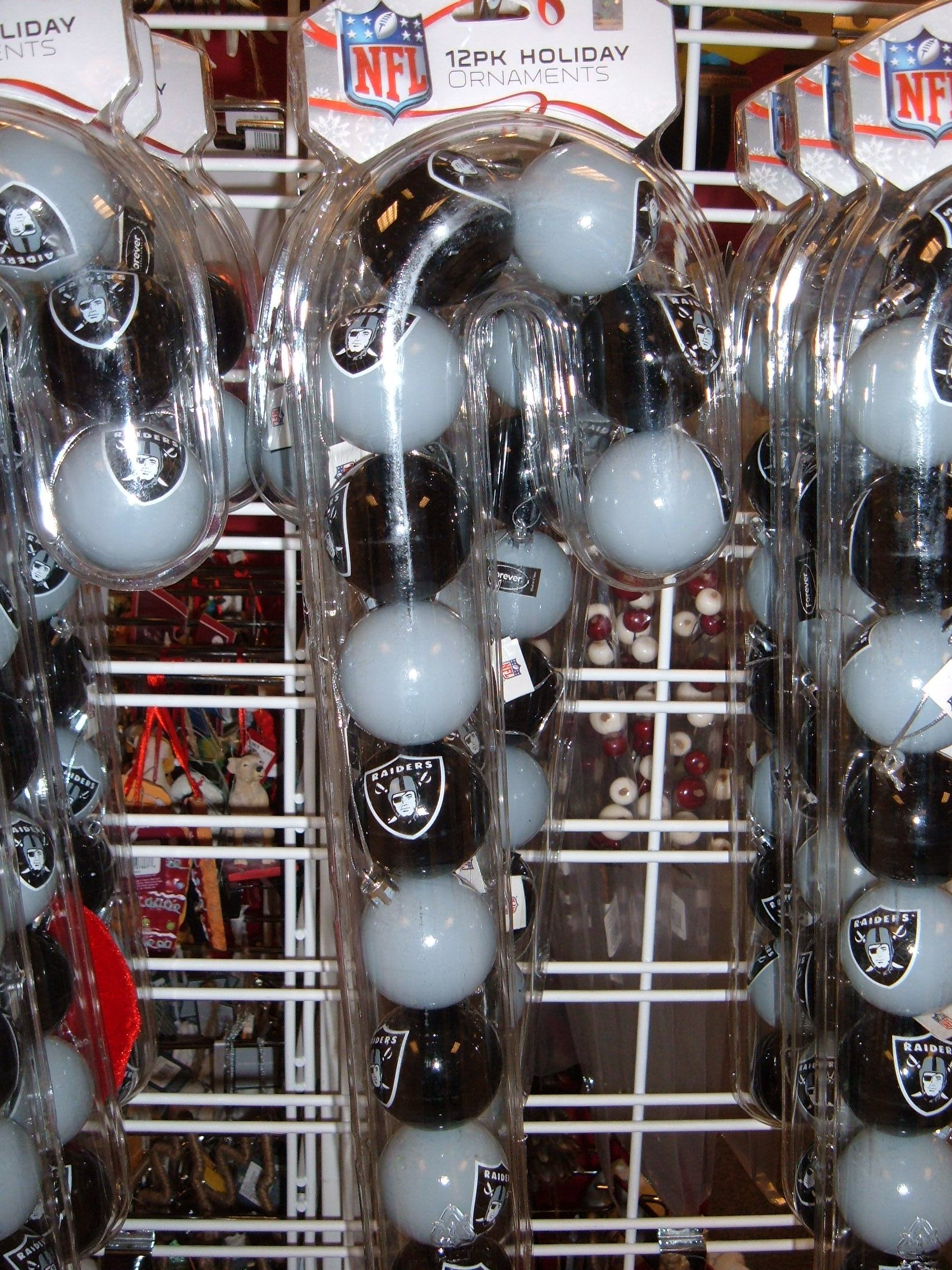File:Oakland Raiders Christmas tree ornaments.JPG - Wikimedia Commons