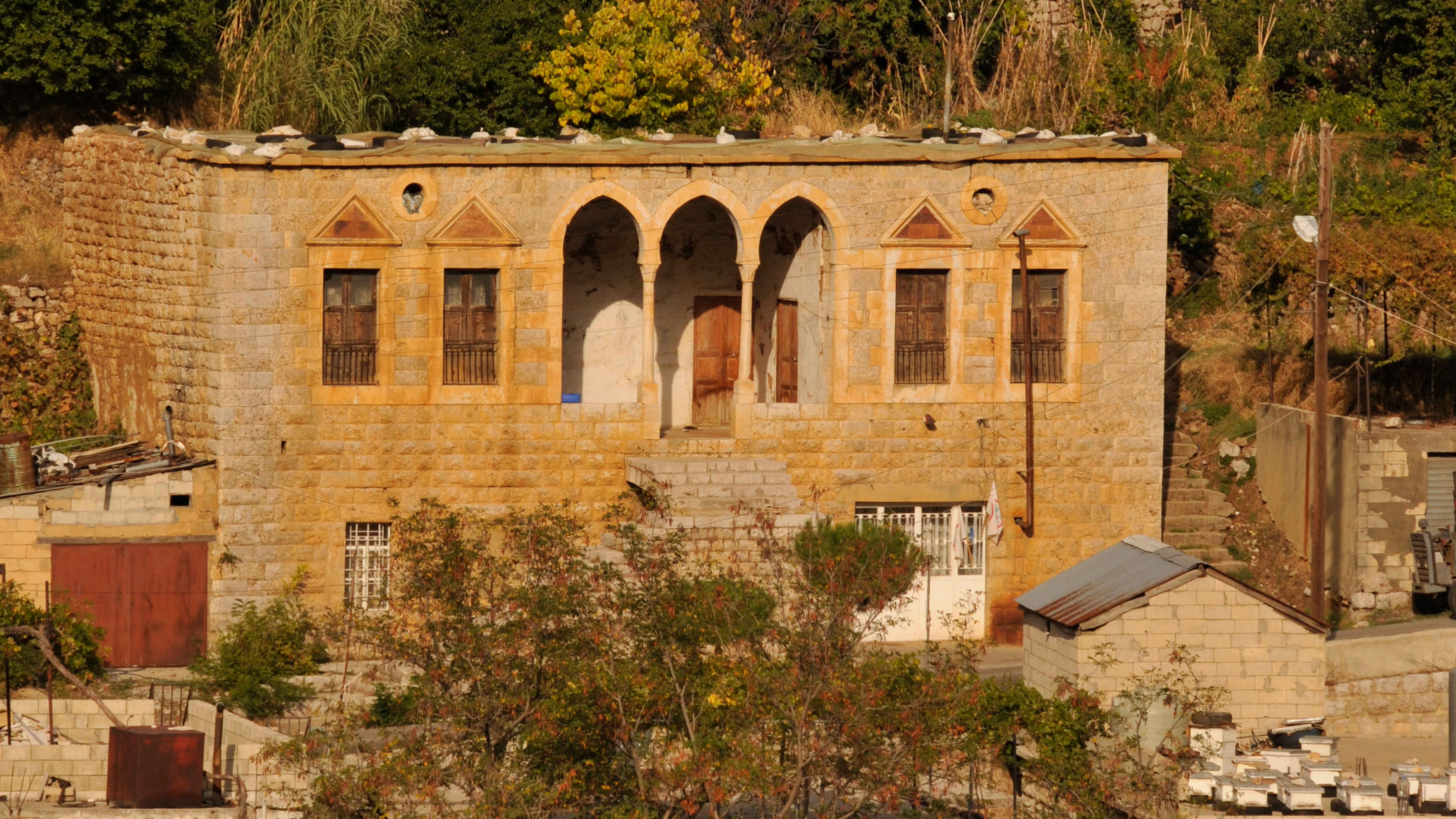 File old lebanese house 4043180072 jpg wikimedia commons for House pictures