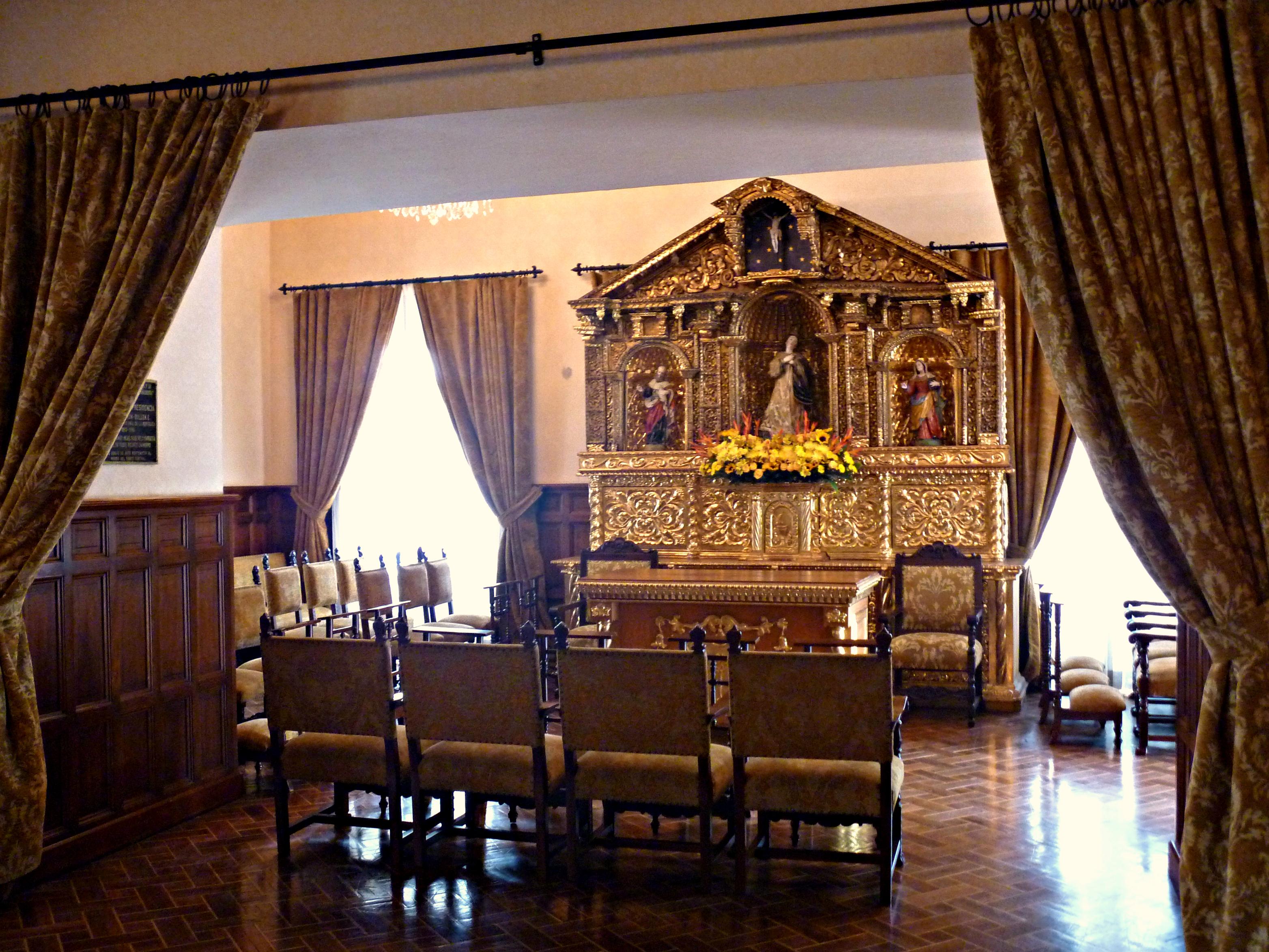File:Oratorio del Palacio, Palacio de Carondelet - Quito ...