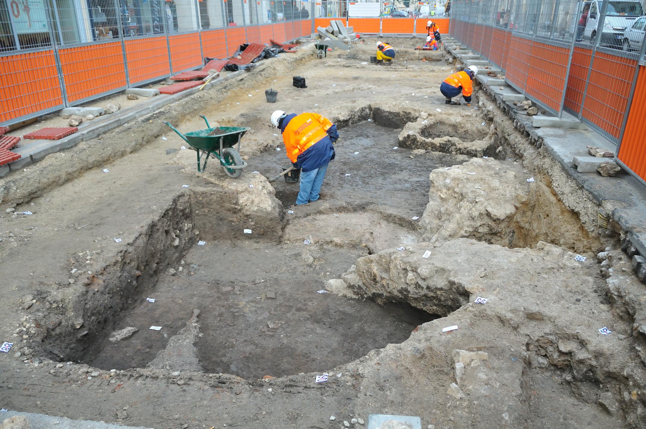 Fouilles archéologiques rue Jeanne d'Arc à Orléans en 2009 - CC BY-SA 3.0 Croquant