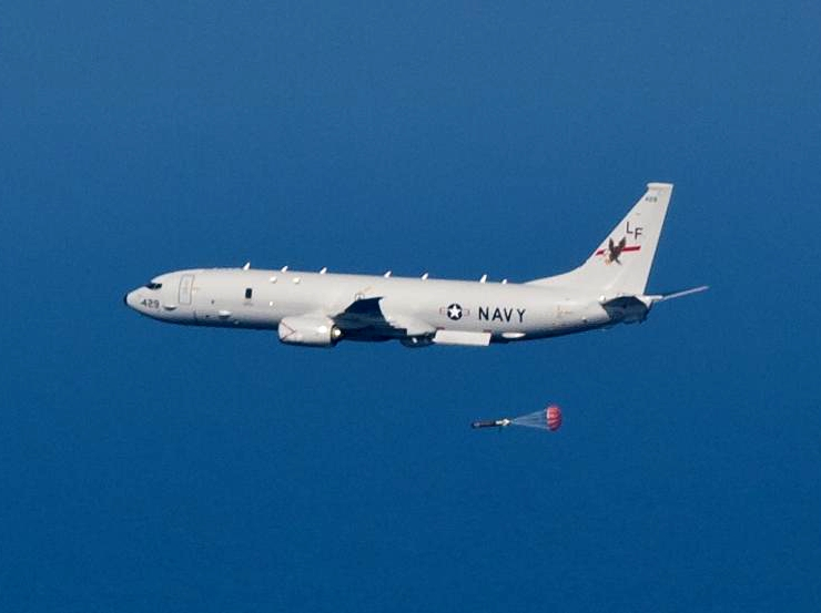 https://upload.wikimedia.org/wikipedia/commons/4/43/P-8A_Poseidon_of_VP-16_dropping_torpedo_in_2013.JPG