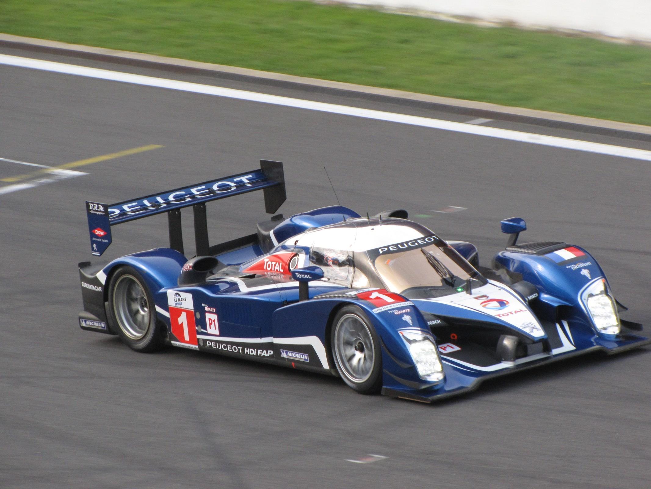 Peugeot_908_Nr1_Spa_2010.JPG