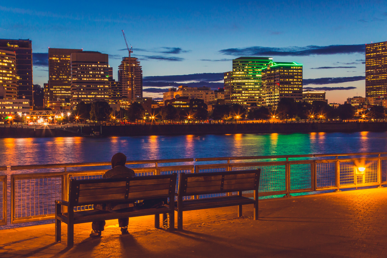 File:Portland Riverbank Skyline at Night (17872048486).jpg