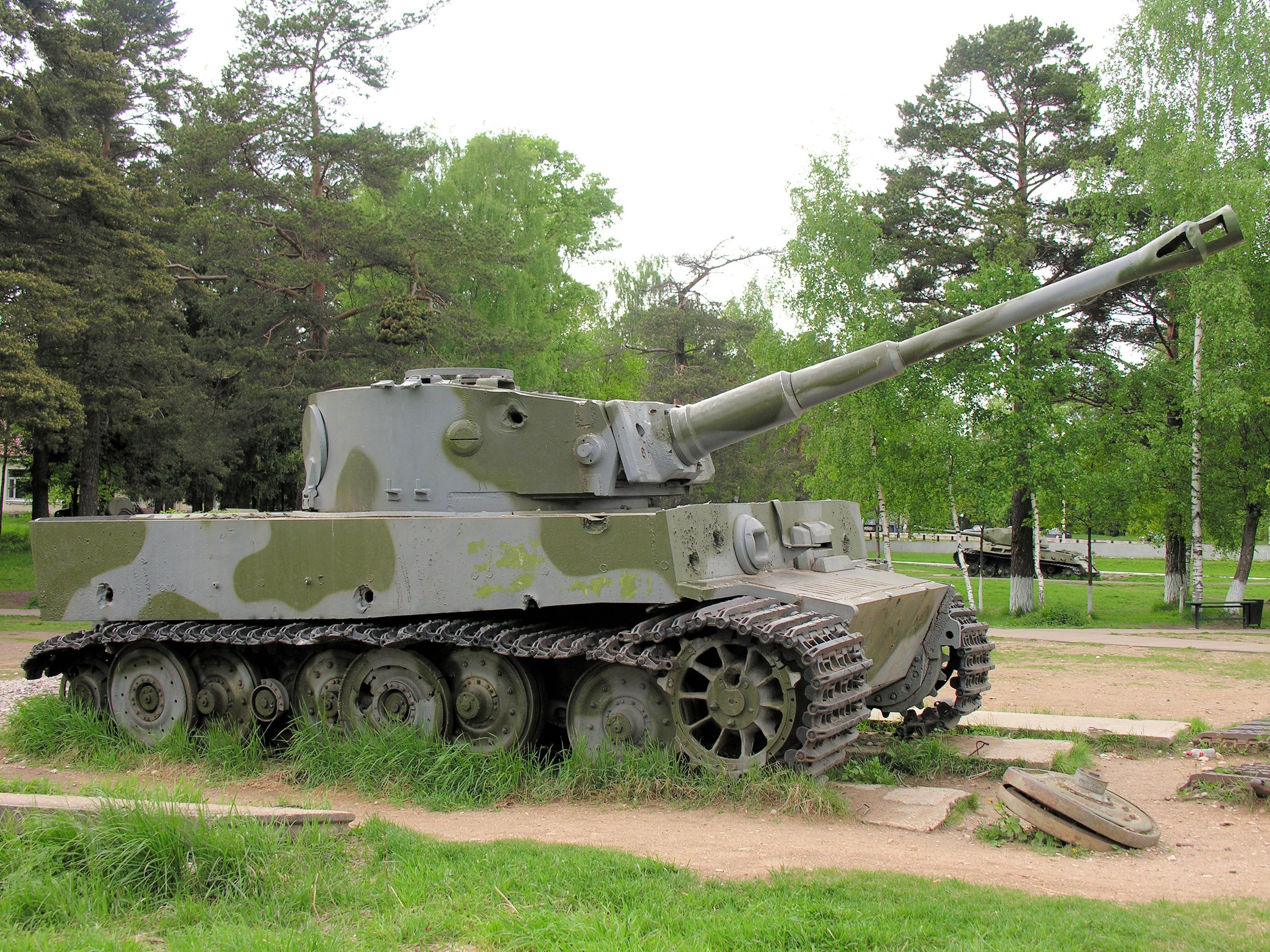 фото танка тигр 2