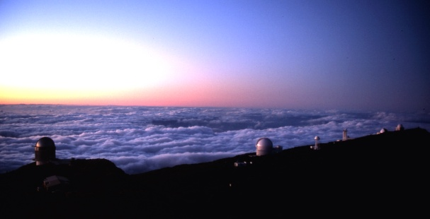 File:Roque de los muchachos observatory sunset.jpg
