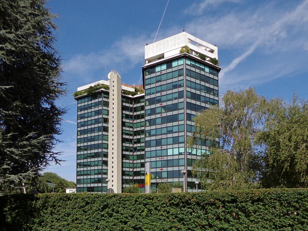Primo palazzo degli uffici eni wikipedia for Arredamenti ballabio san donato milanese