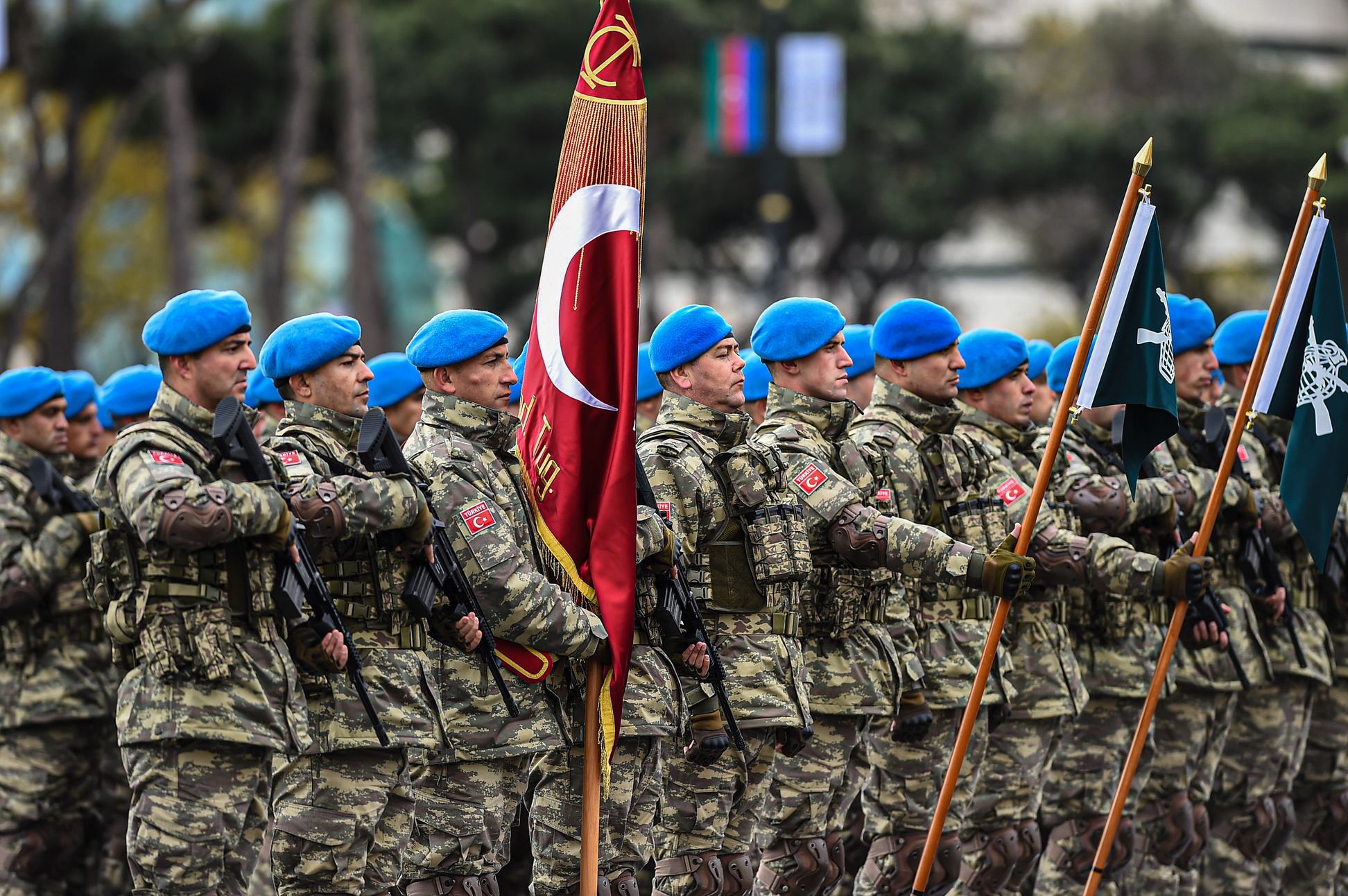 File:Servicemen of the Turkish Special Forces Command, led by the Captain  Harun Ergin 3.jpg - Wikimedia Commons