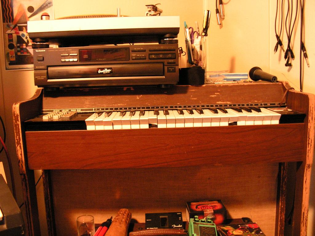 Chord Charts Piano: Silvertone Chord Organ (electric reed).jpg - Wikipedia,Chart