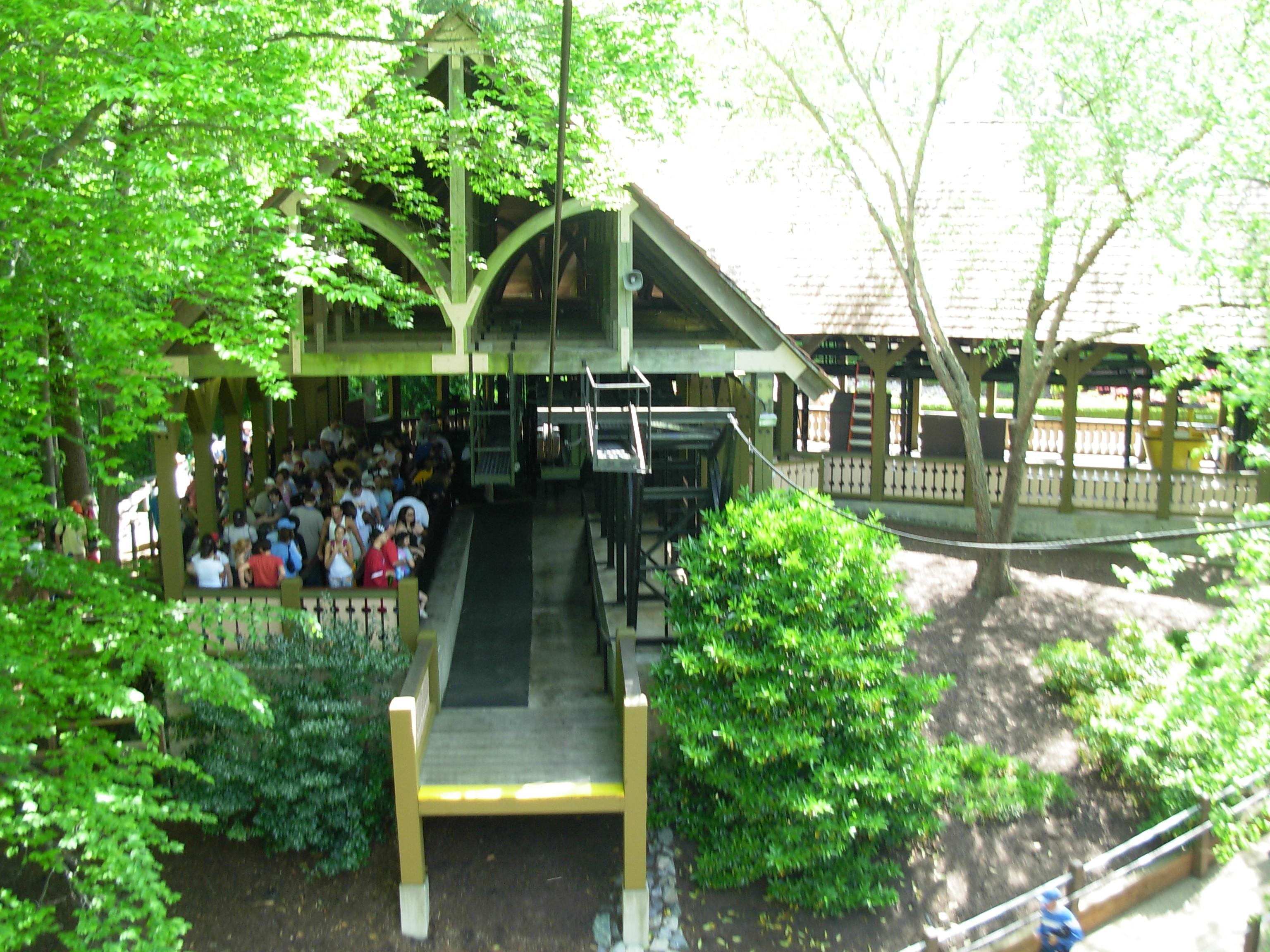 Genial File:Skyride 3 (Busch Gardens Williamsburg)