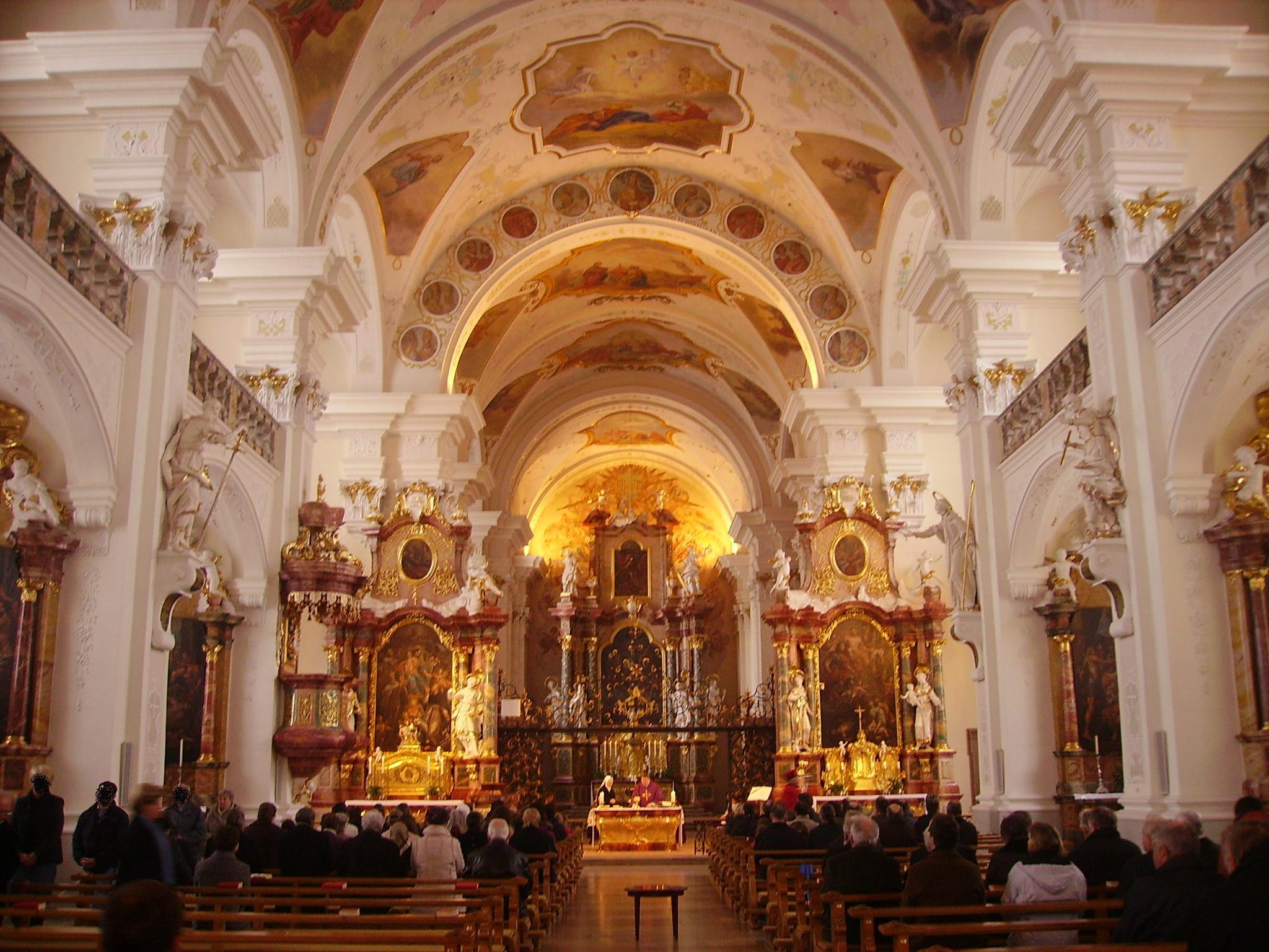 Fil:Sankt Peters Klosters kyrka, interir hayeshitzemanfoundation.org Wikipedia