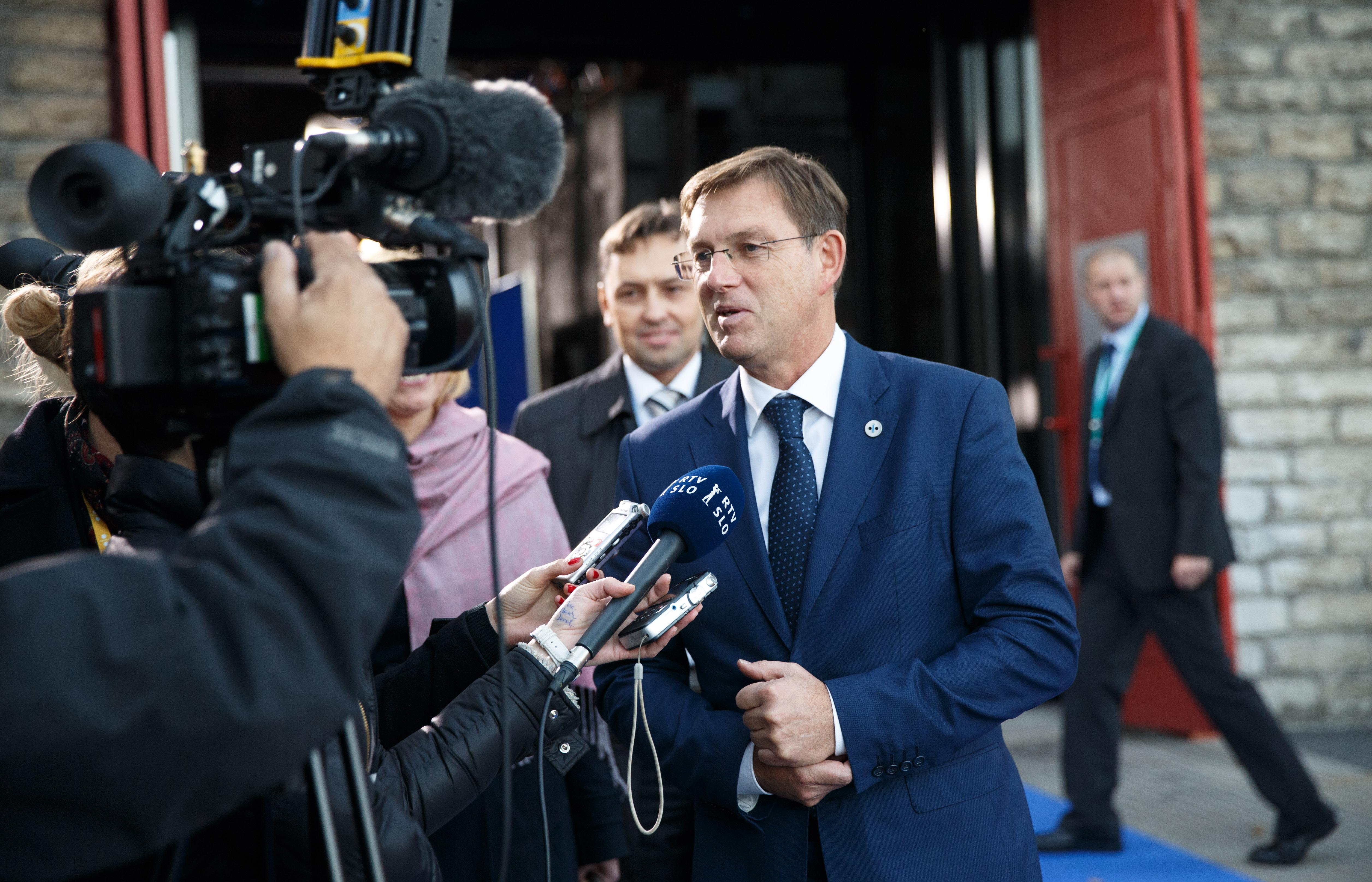 Exit doorstep and member statesu0027 press conferences Miro Cerar  sc 1 st  Wikimedia Commons & File:Tallinn Digital Summit. Exit doorstep and member statesu0027 press ...