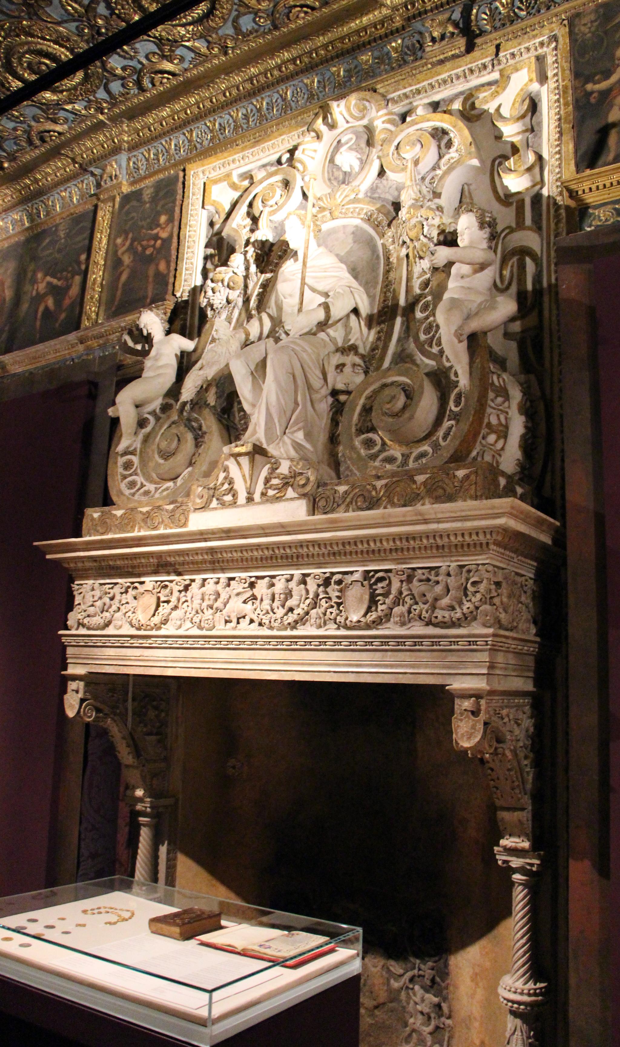 File tullio e antonio lombardo camino della sala grimani for Sala con camino
