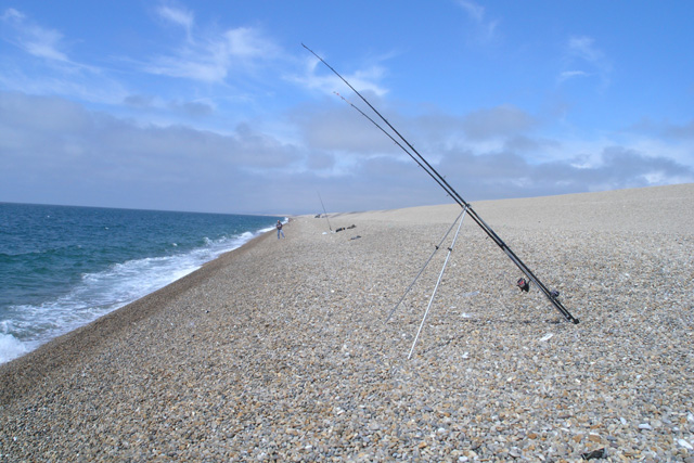 Unattended rod on Chesil Beach - geograph.org.uk - 707880