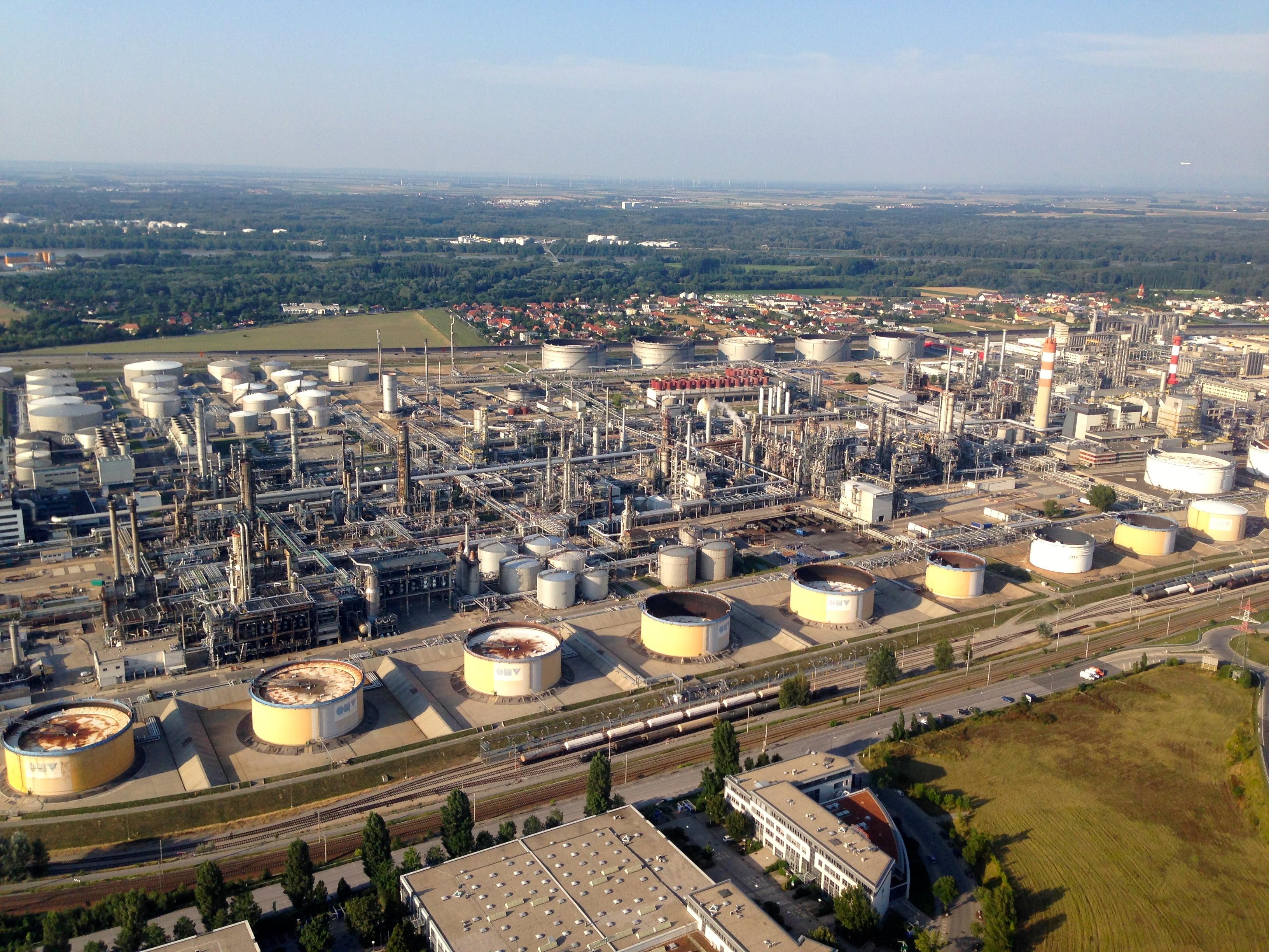 Raffinerie Schwechat – Wikipedia