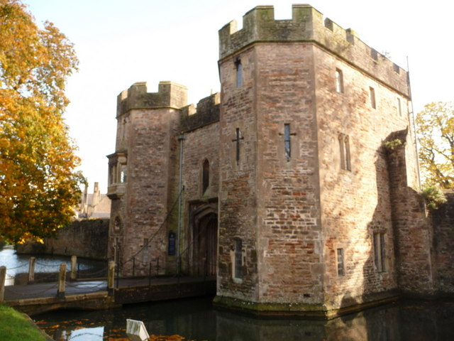 Wells, Bishop's Palace gatehouse - geograph.org.uk - 1555828