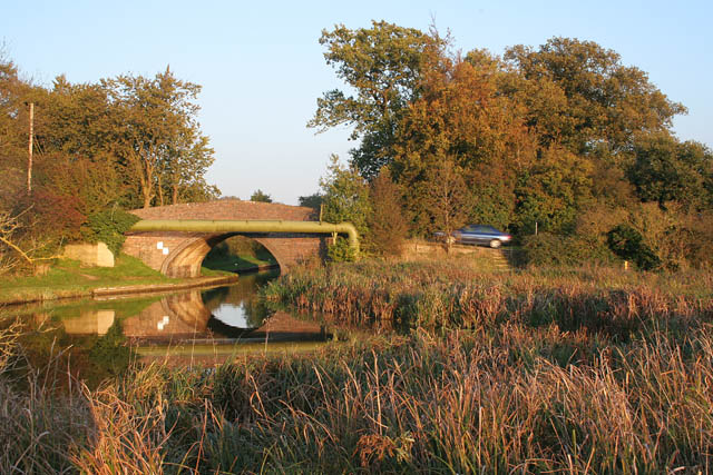 Winding hole, Wain Bridge near Newton Harcourt - geograph.org.uk - 274195