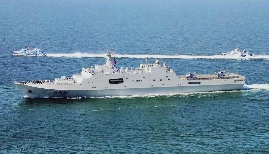 سفينه الانزال البرمائي فئة Type 071 Yuzhao-class الصينيه Yuzhao_%28Type_071%29_Class_Amphibious_Ship