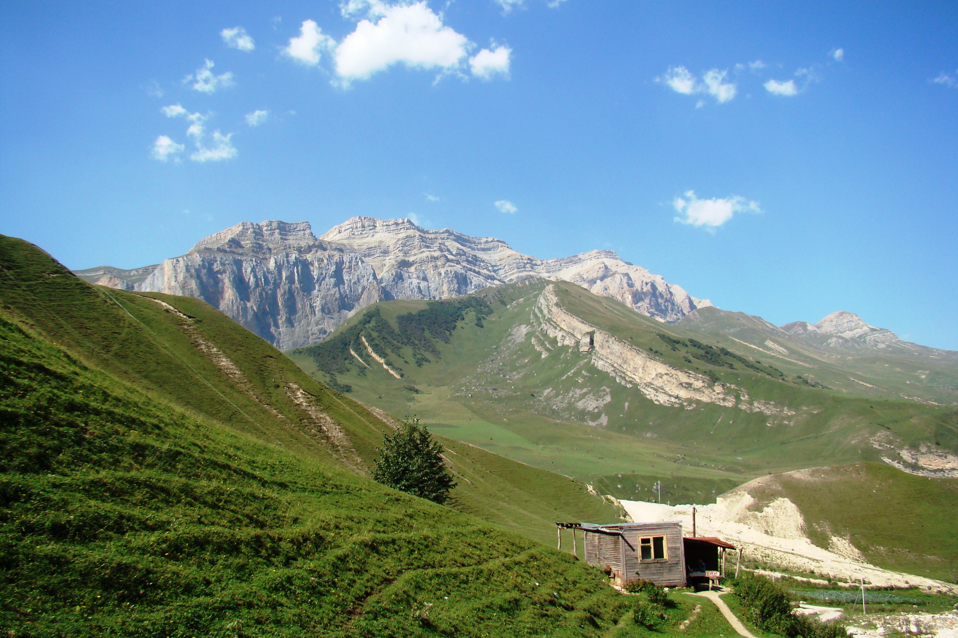 File:Şahdağ Mountain, Qusar, 2013.JPG - Wikimedia Commons