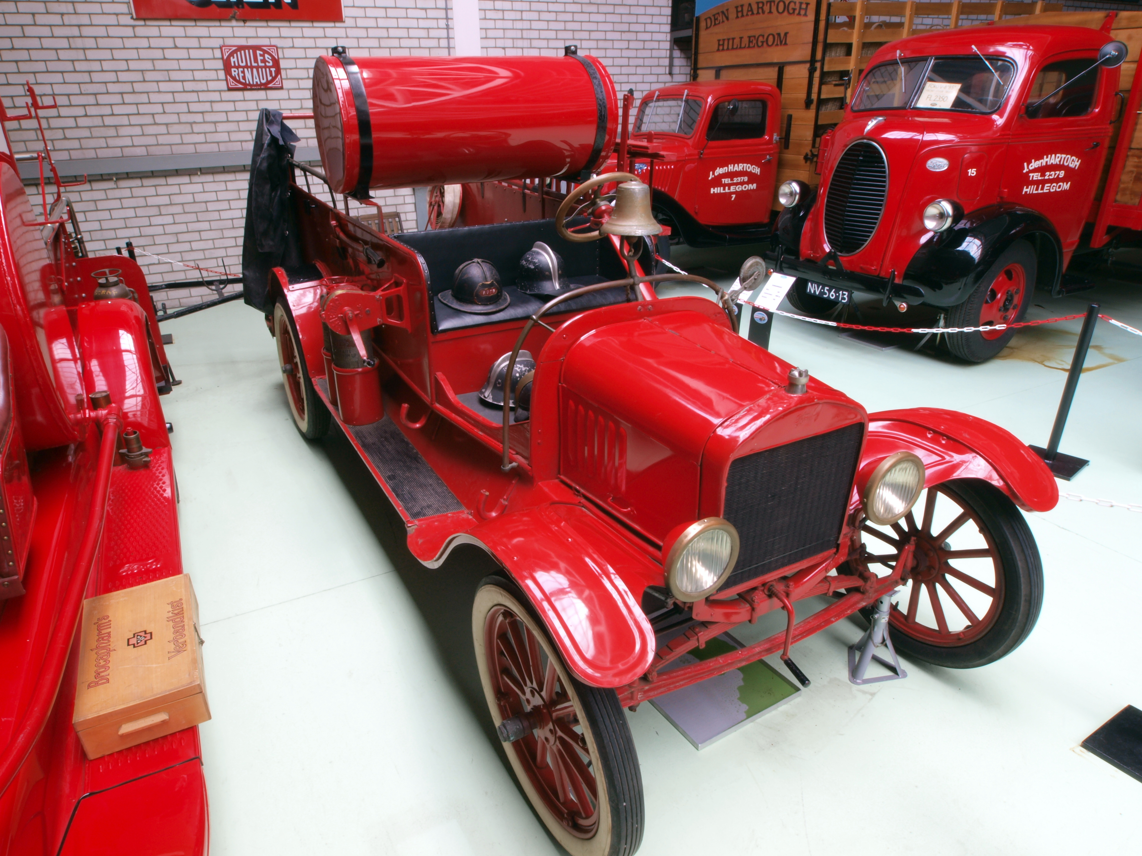 File 1920 Ford Model T Fire Truck Jpg Wikimedia Commons