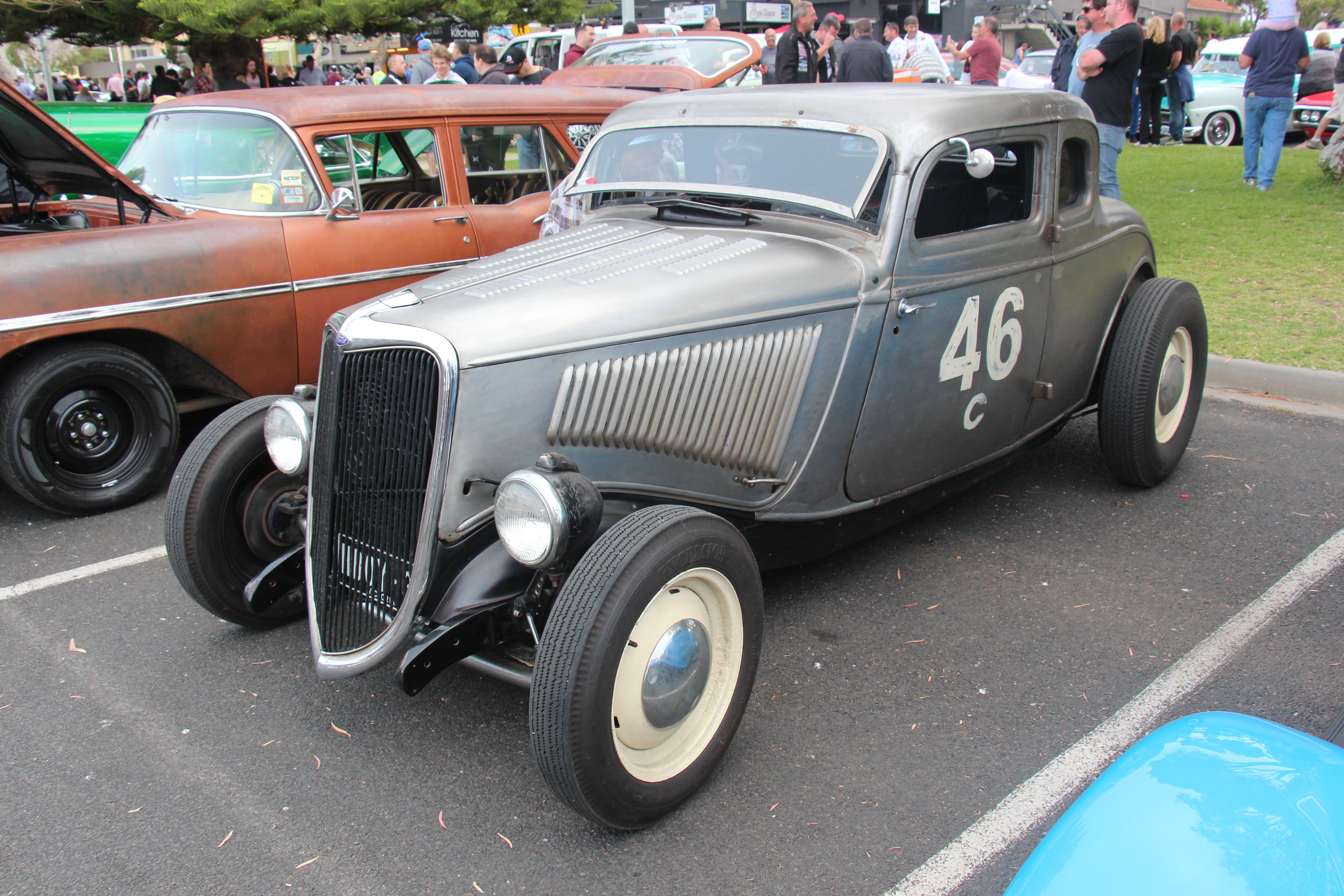 File:1934 Ford 5 window Coupe Hot Rod (24112245750).jpg - Wikimedia ...