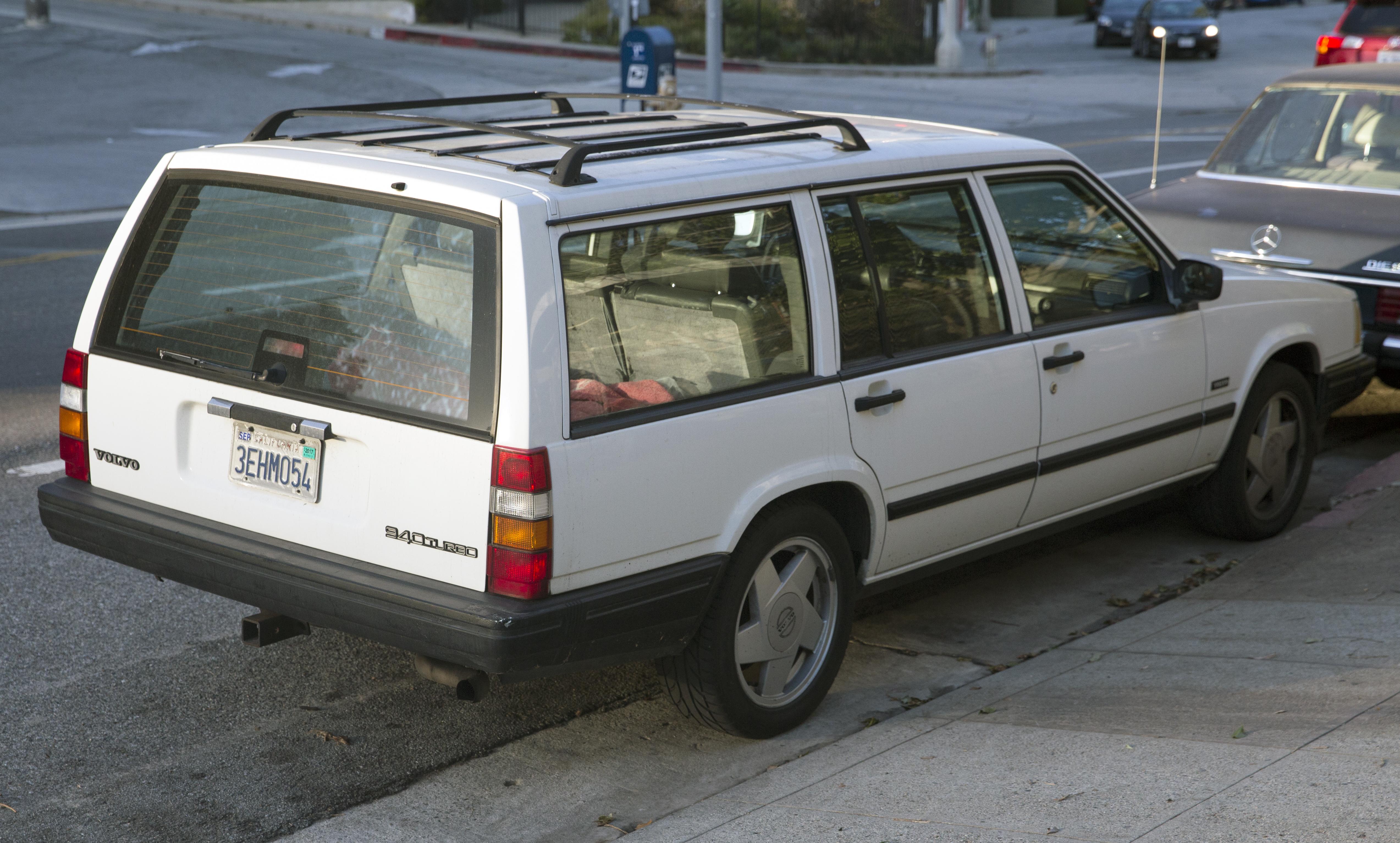 File 1993 Volvo 940 Turbo Wagon Rear Right Jpg Wikimedia
