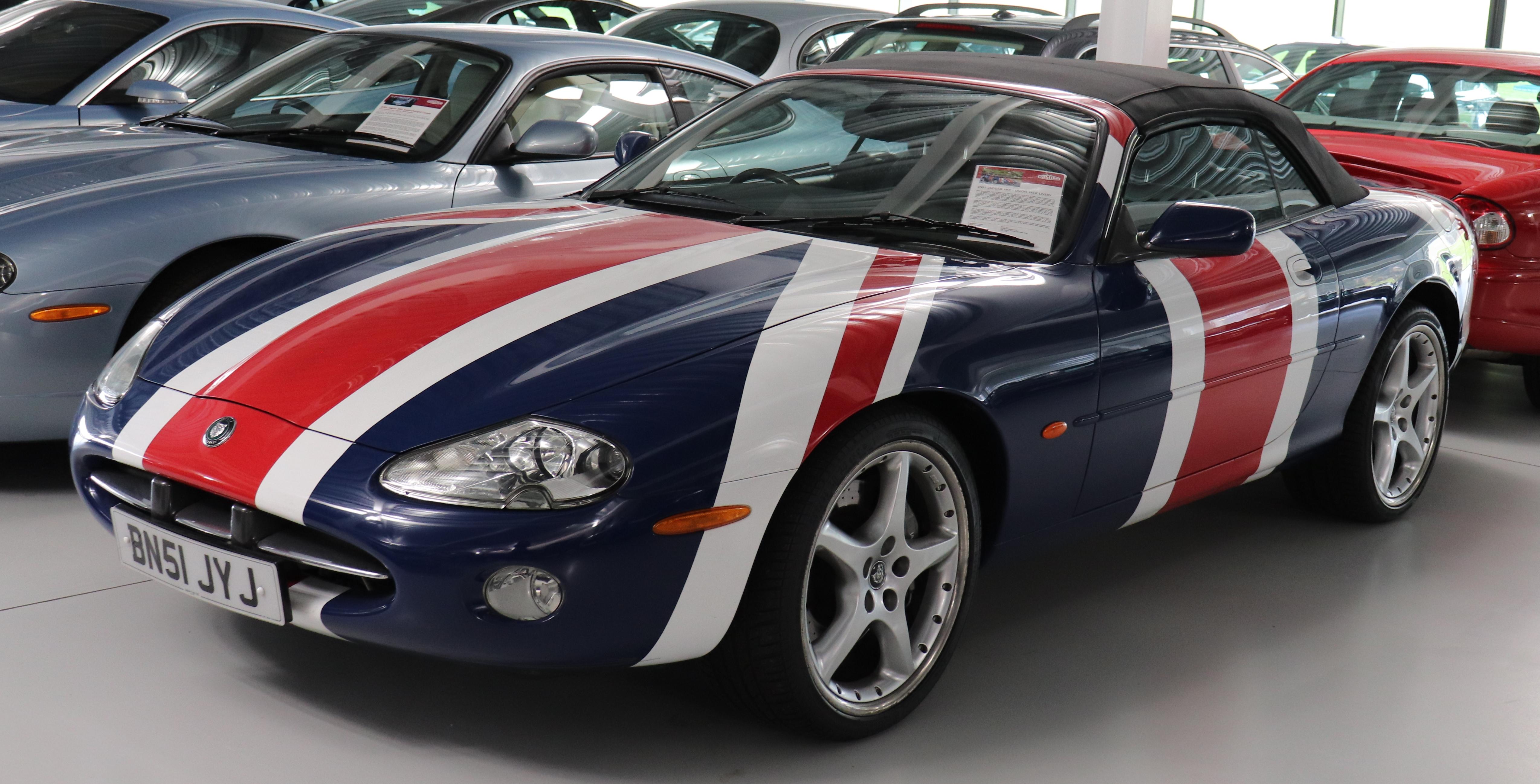File:2001 Jaguar XK8 (Union Jack Livery) 4 2 jpg - Wikimedia