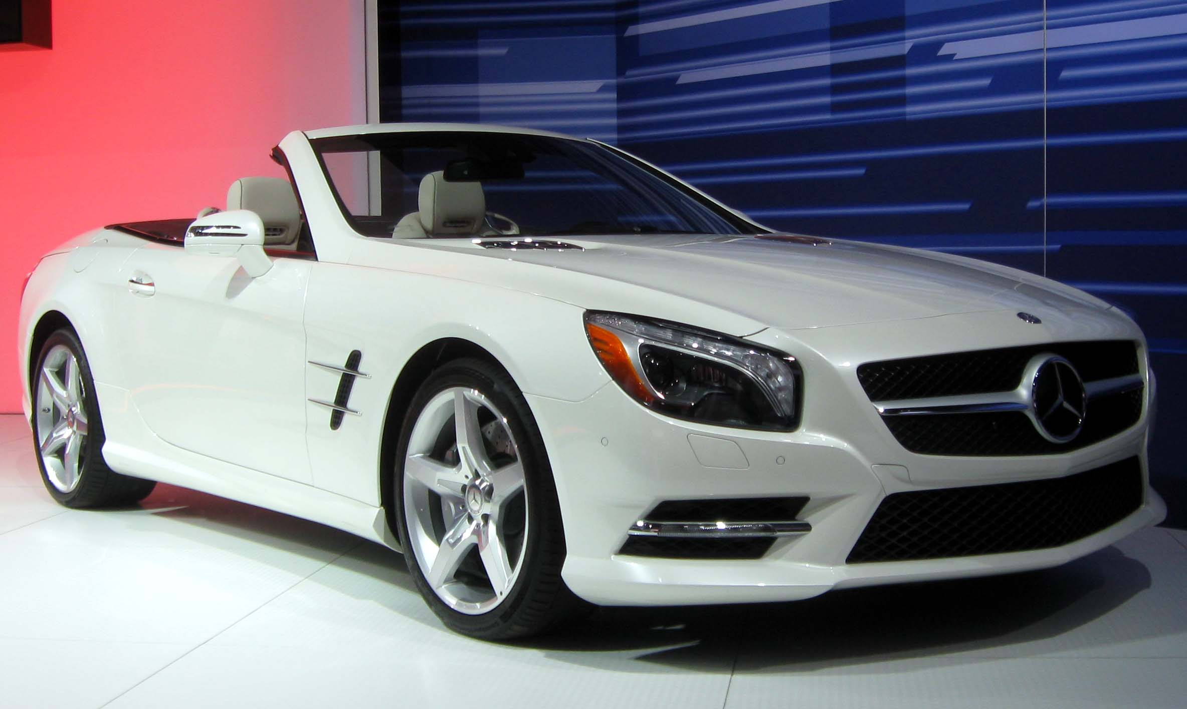 File:2013 Mercedes-Benz SL550 -- 2012 NYIAS.JPG ...