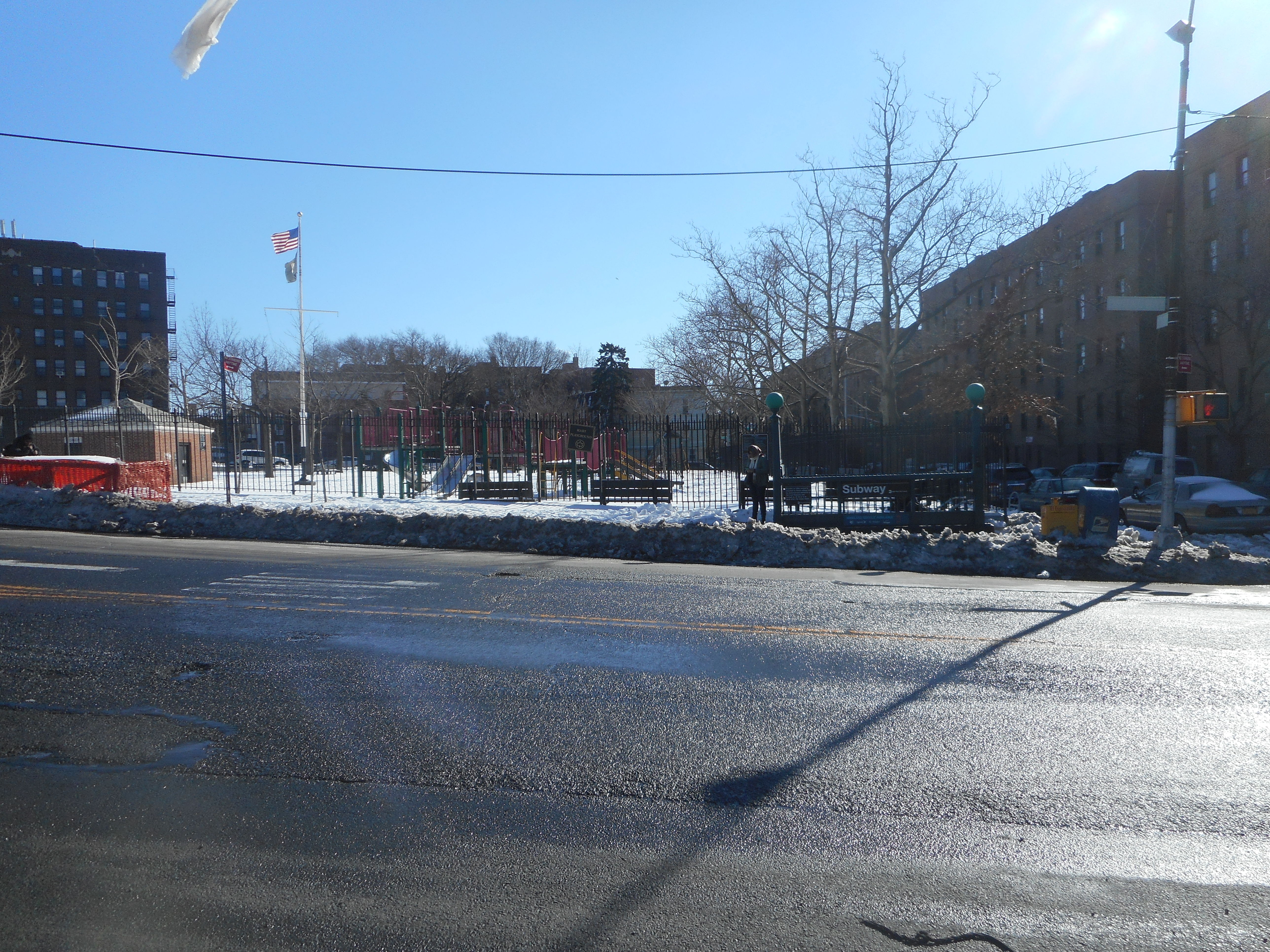 File65th Street IND Queens Blvd Hart Playground Entrance