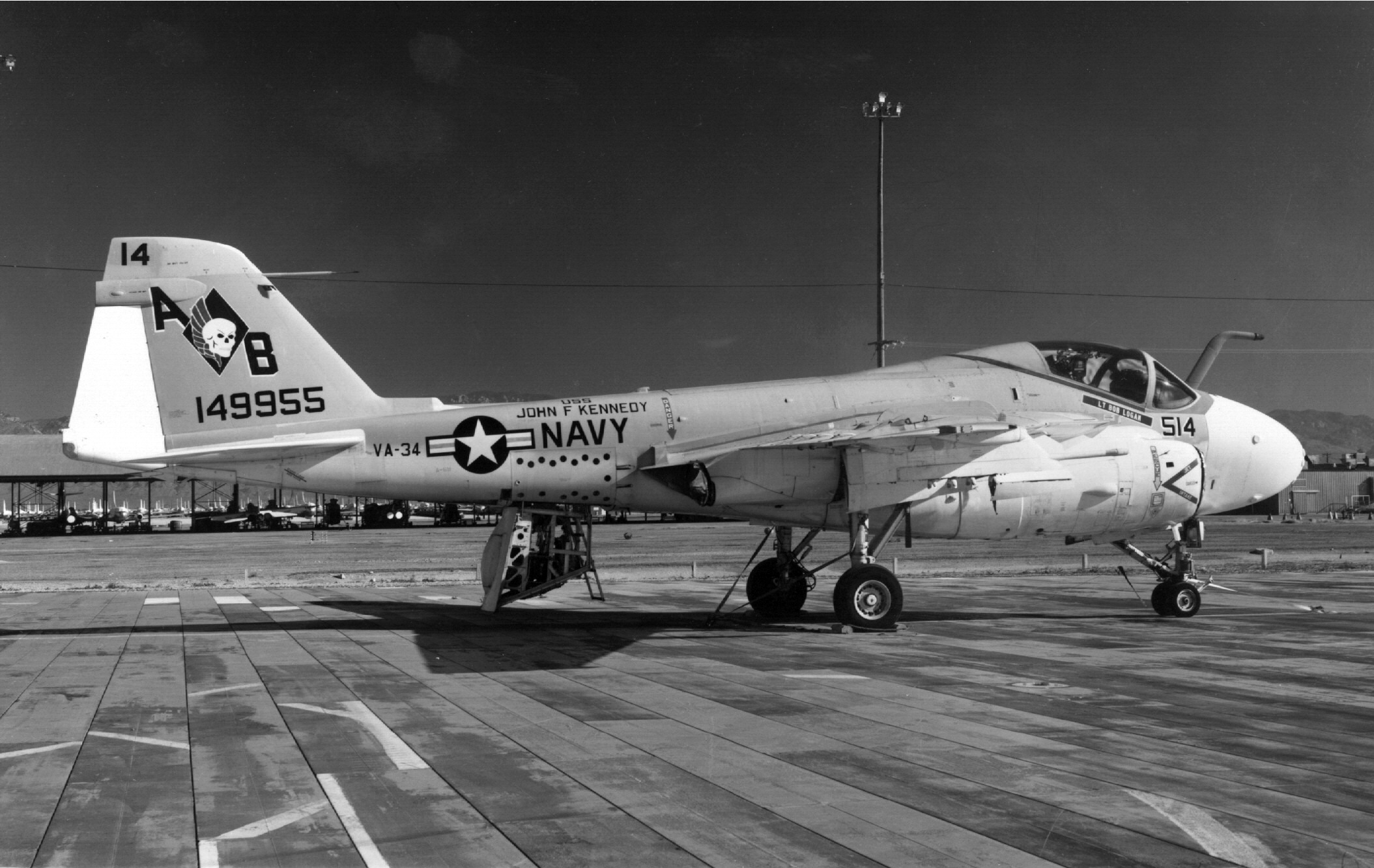 A-6B_VA-34_at_Davis-Monthan_AFB_1976.jpeg
