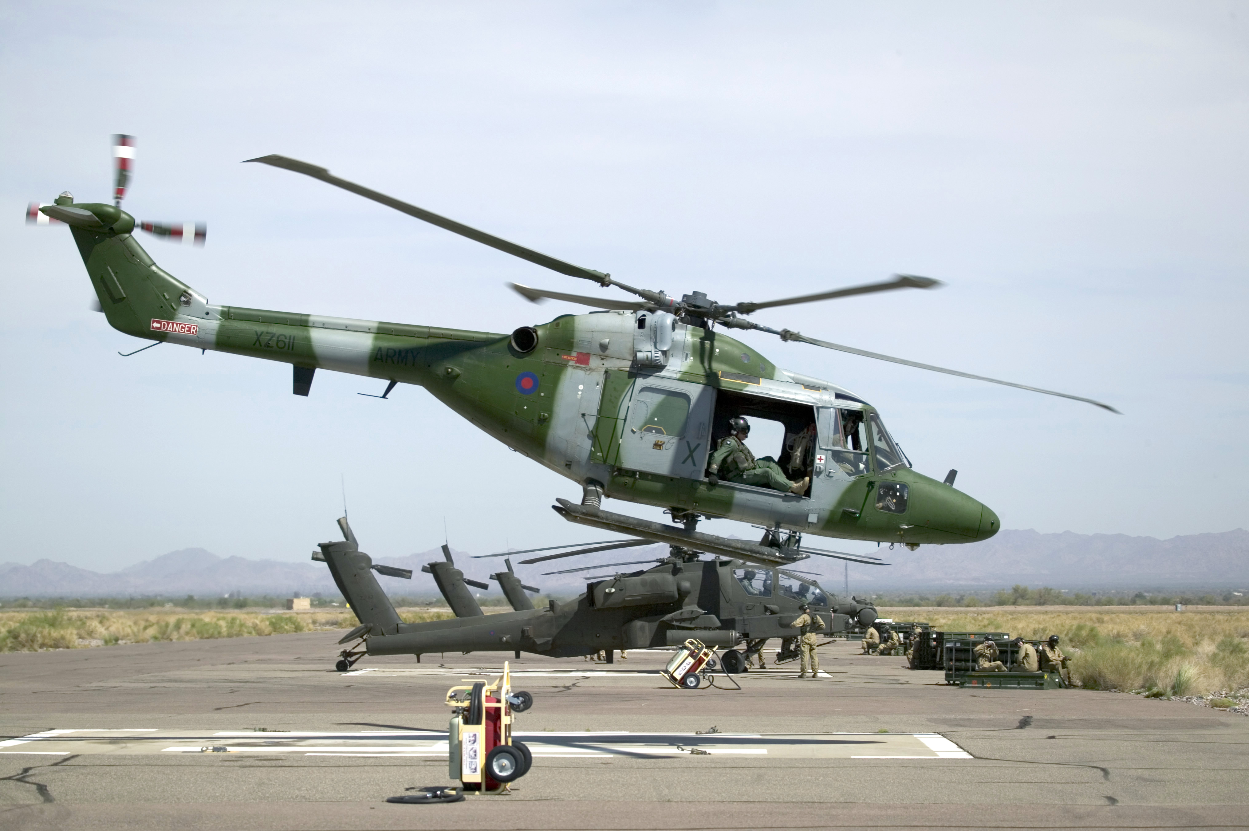 Elicottero In Inglese : File army lynx mk mod g wikimedia commons