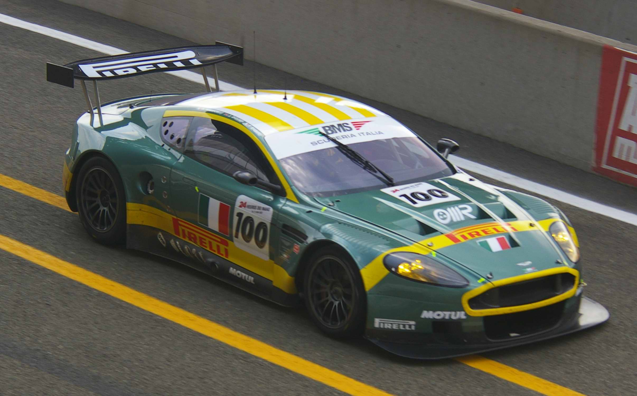 File Aston Martin Dbr9 24h200703 Jpg Wikimedia Commons