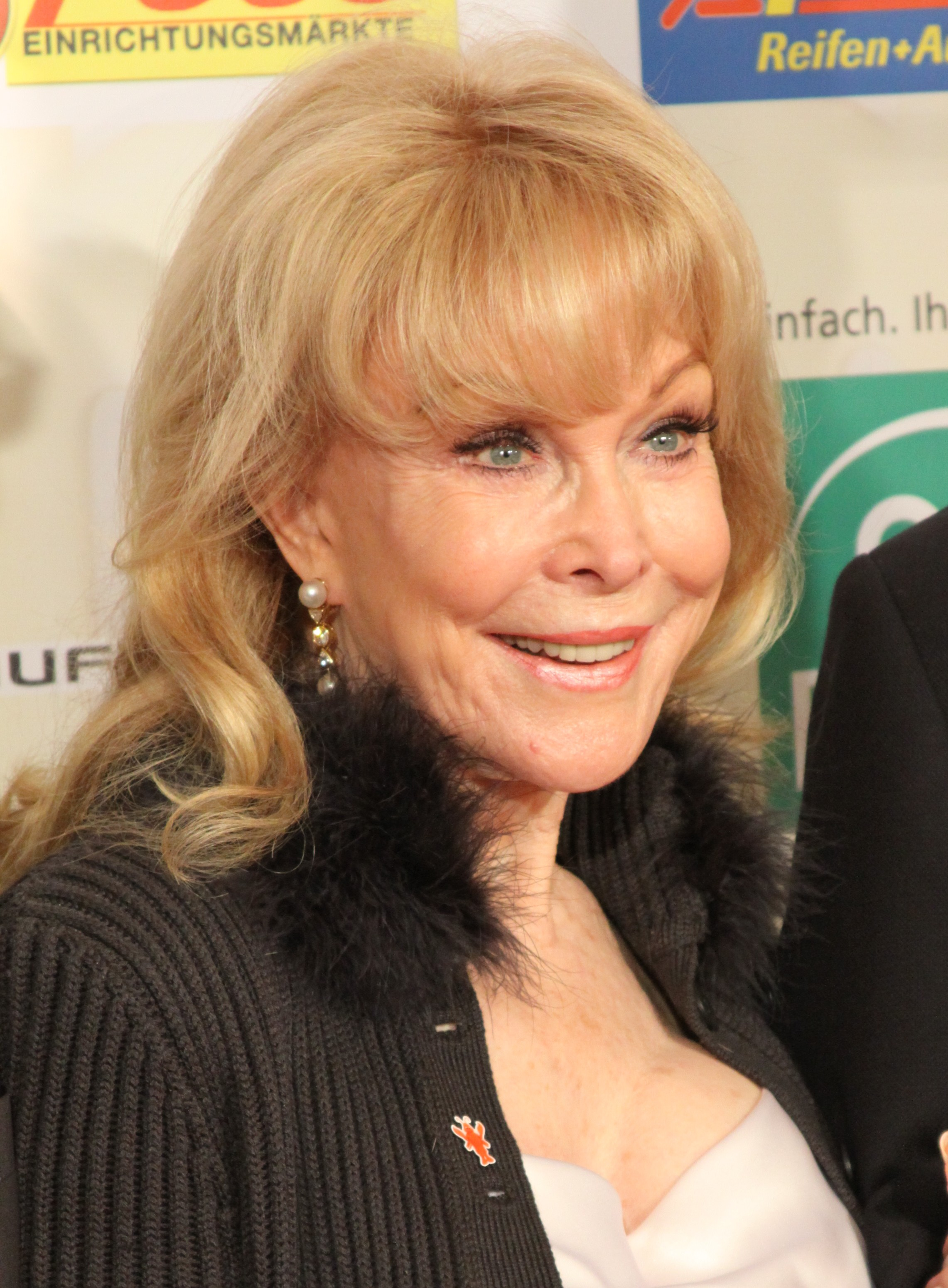 barbara eden measurements